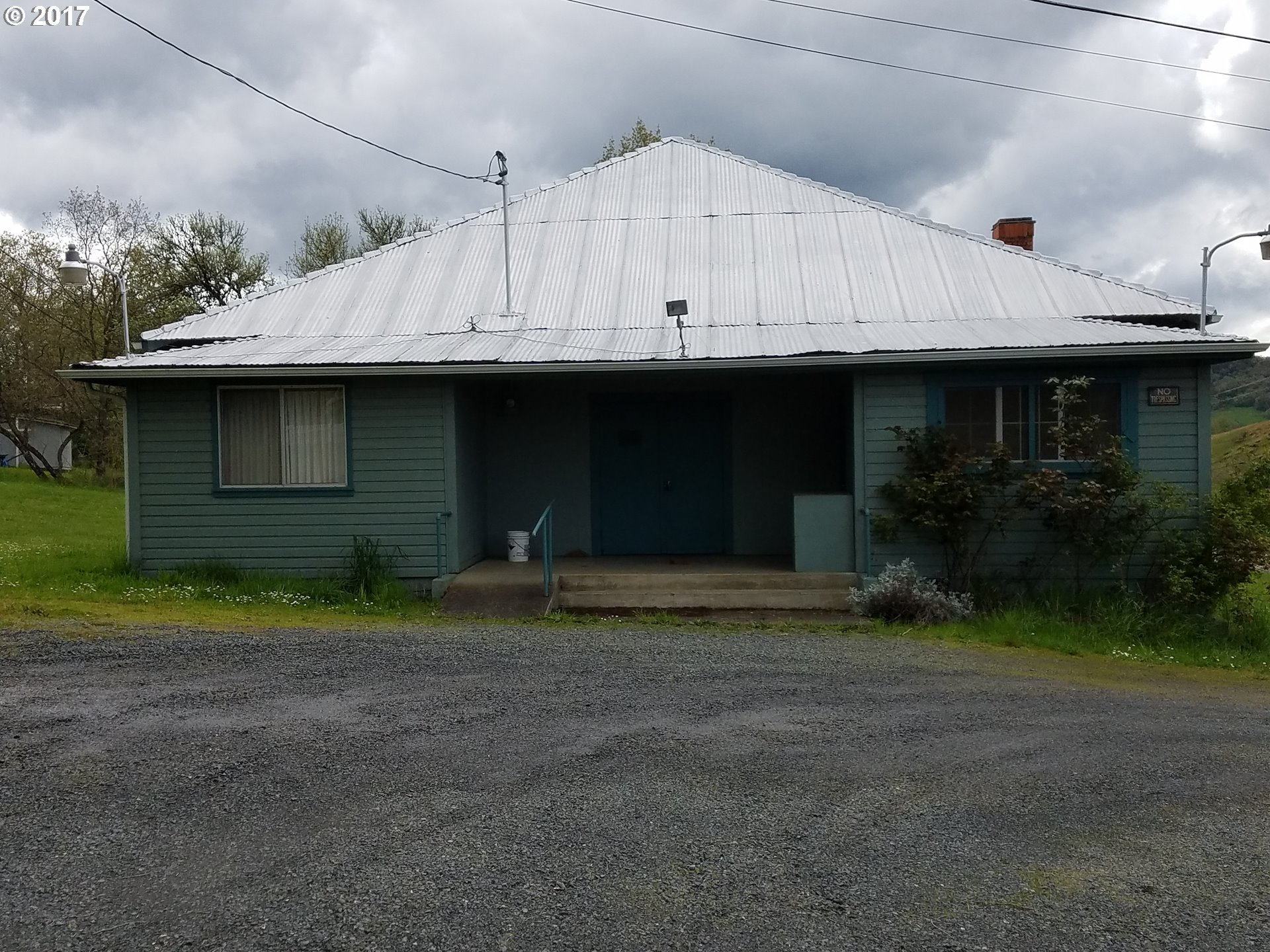 3888 sq. ft 2 bathrooms  House For Sale, Roseburg, OR