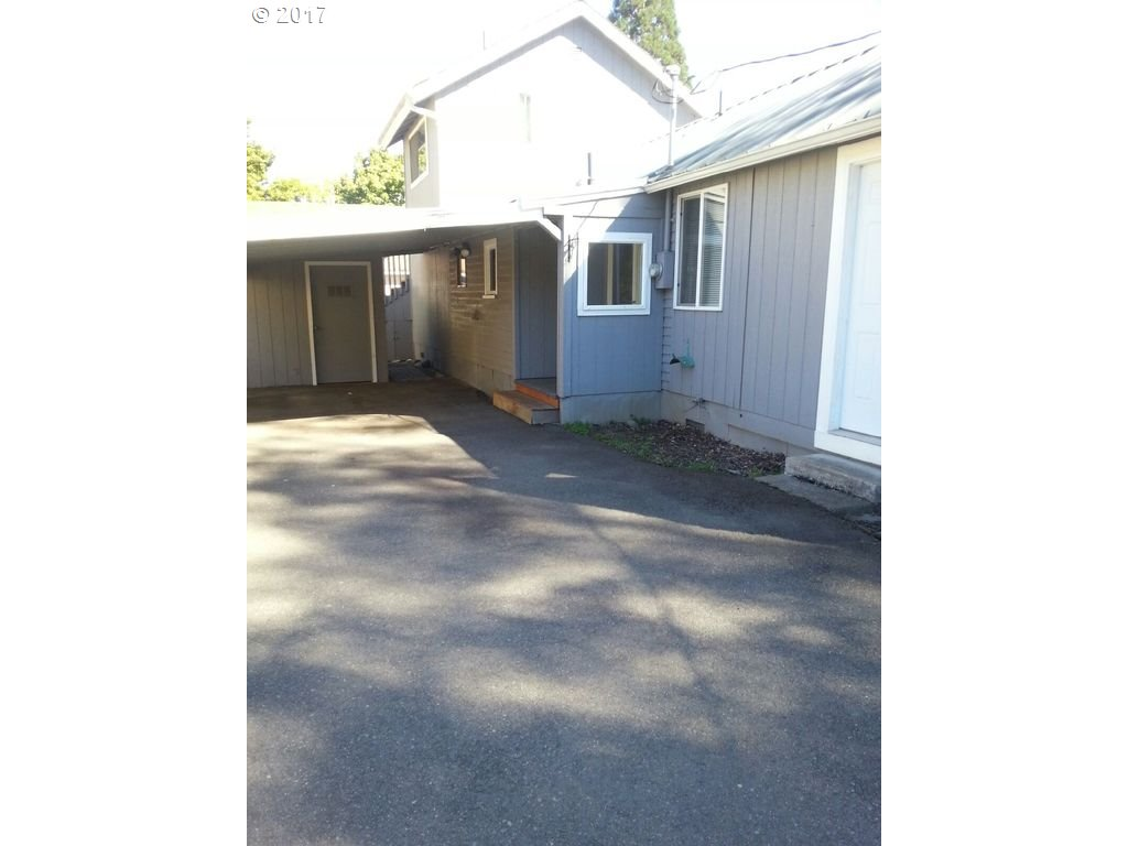 896 sq. ft 3 bedrooms 1 bathrooms  House For Sale, Salem, OR