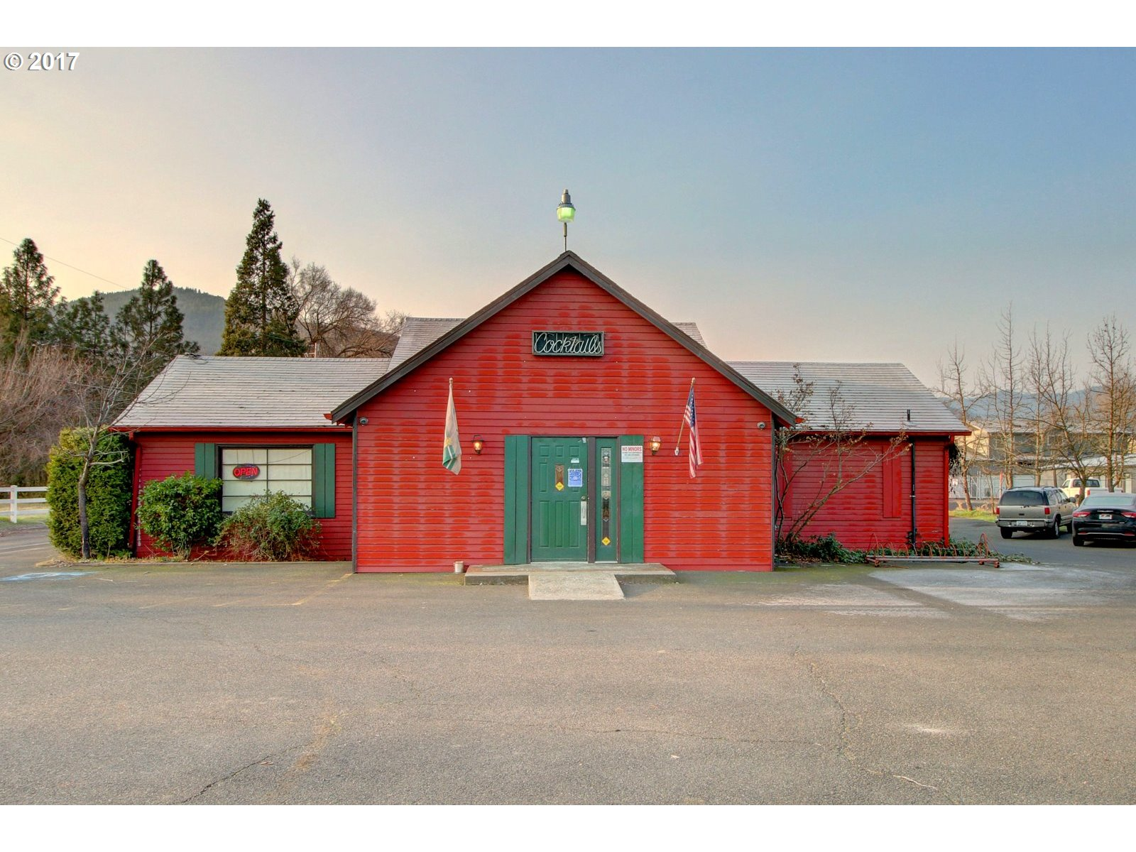Gold Hill, OR  Bedroom Home For Sale
