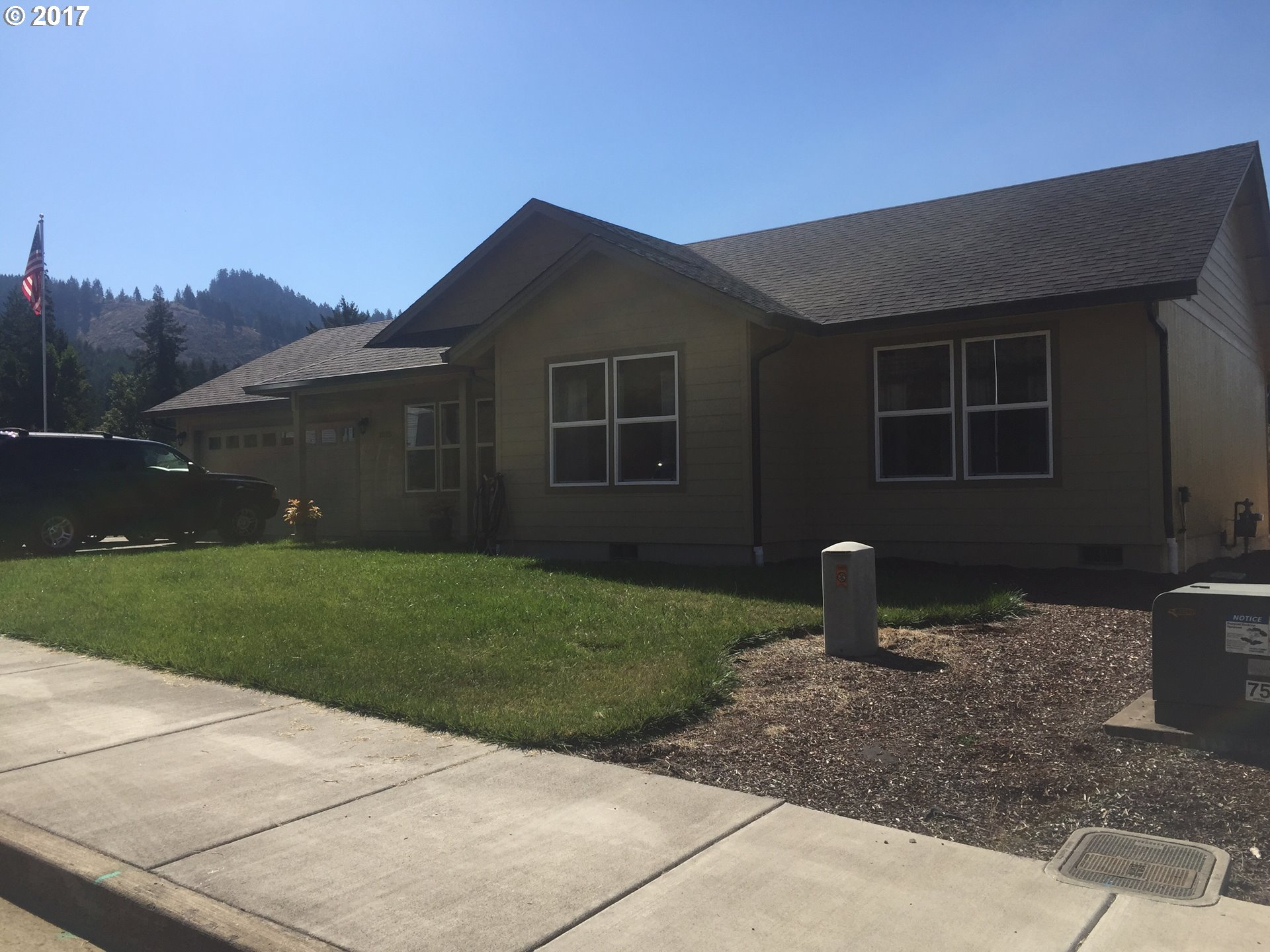 1025 FOREST HEIGHTS ST Sutherlin, OR 97479 17110018