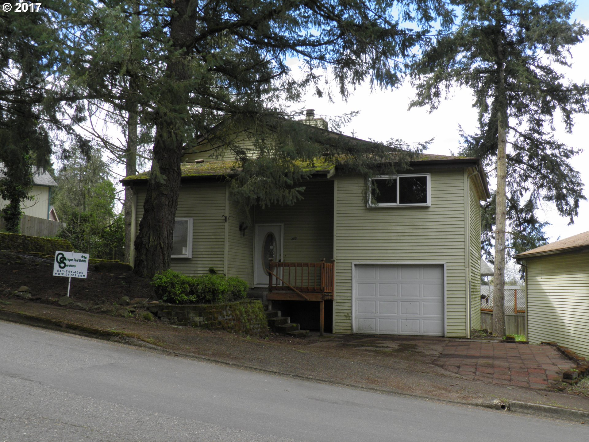 268 S 68TH PL, Springfield OR 97478