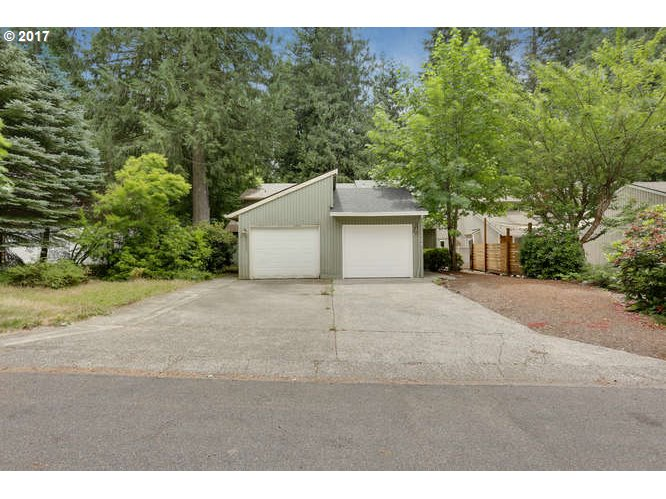 68205 E TWINBERRY LOOP, Welches, OR 97067