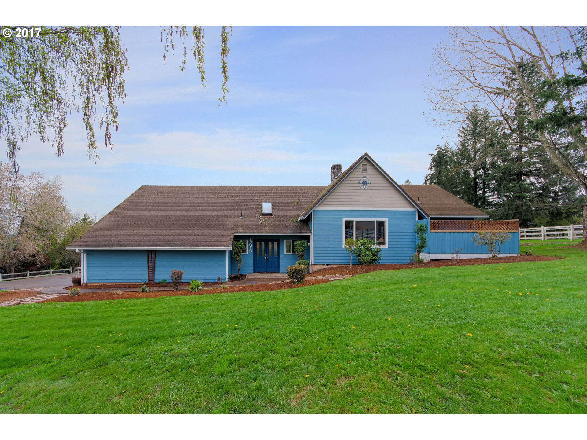 17810 S CANTER LN, Oregon City, OR 97045