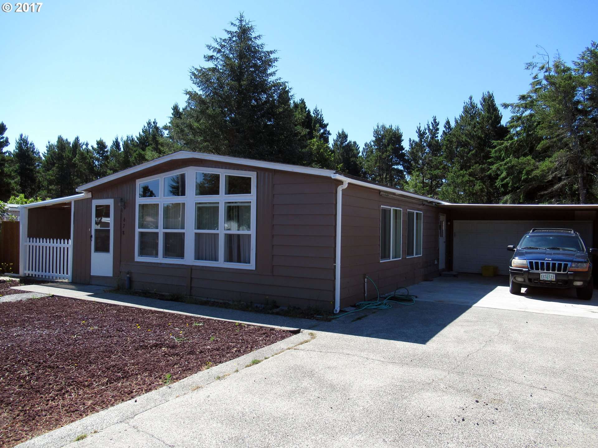 678 SIANO LOOP, Florence, OR 97439