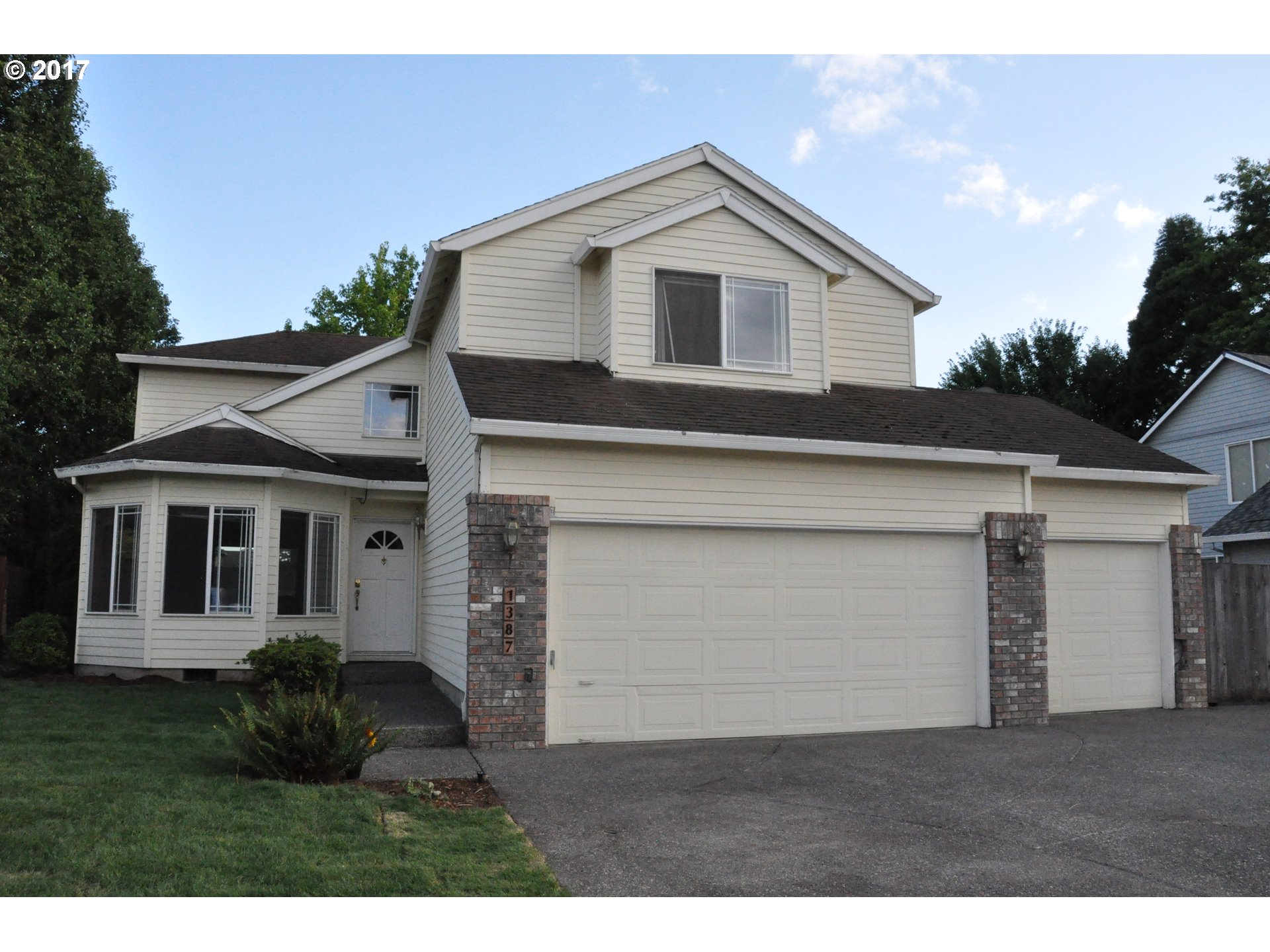 1387 SE 11TH LOOP, Canby, OR 97013