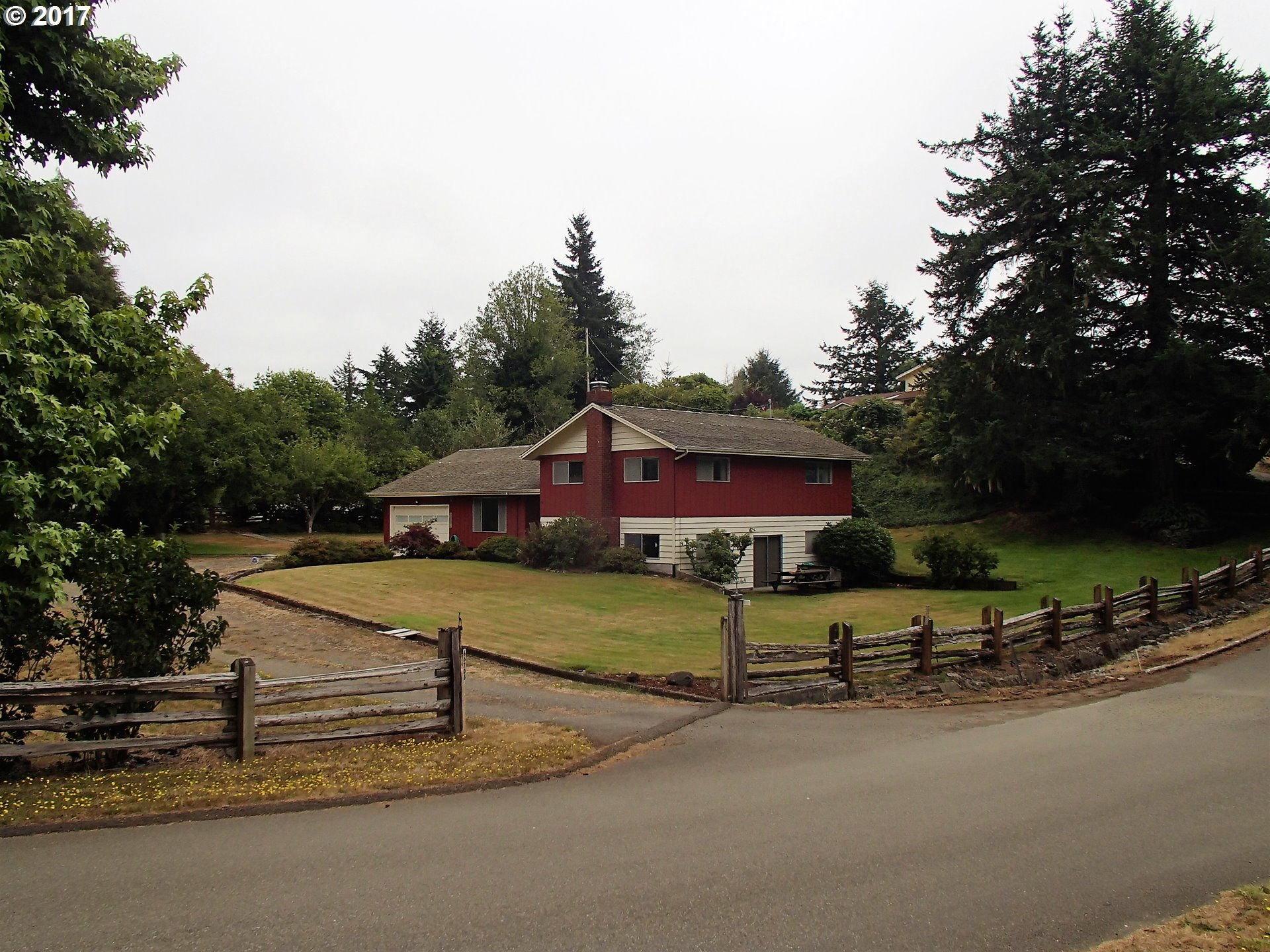 66705 ROBIN RD, North Bend, OR 97459