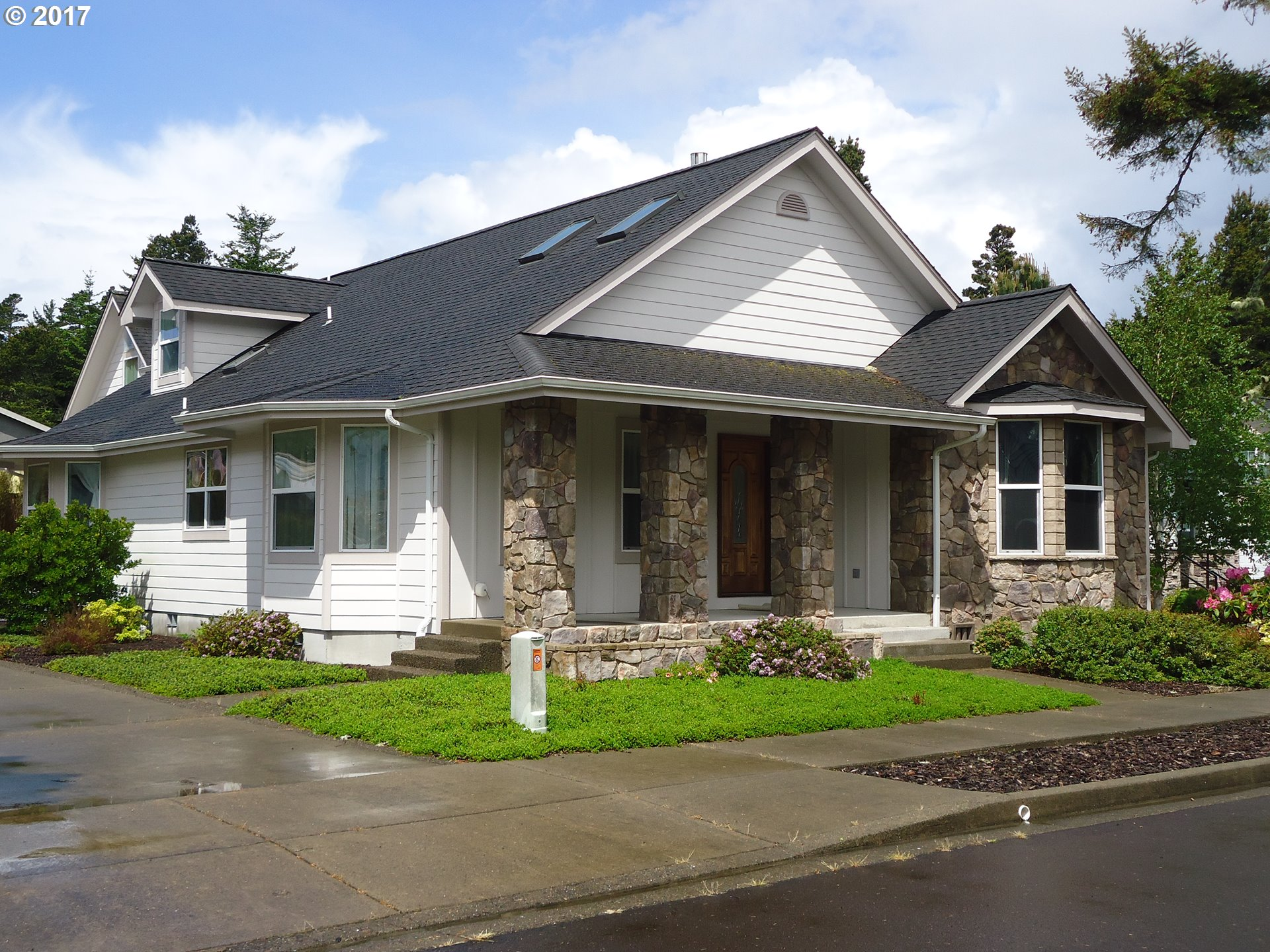 1147 WINSOME CIR, Florence, OR 97439