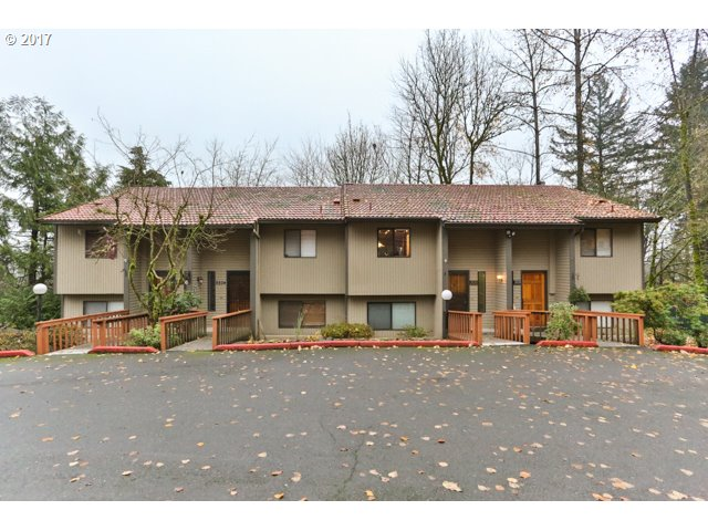 2826 TREETOP LN, West Linn, OR 97068