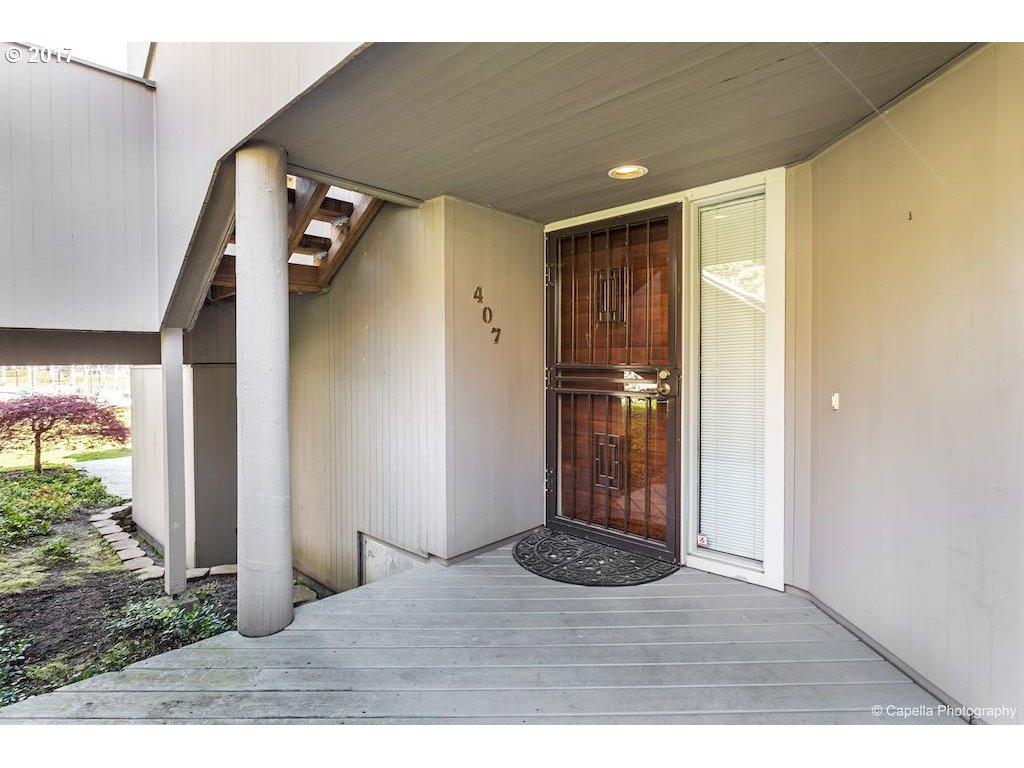 407 N TOMAHAWK ISLAND DR Portland, OR 97217 - MLS #: 17127871
