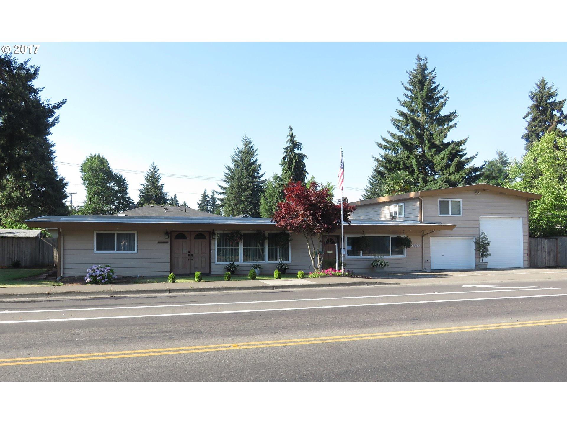 1592 GREEN ACRES RD, Eugene, OR 97408