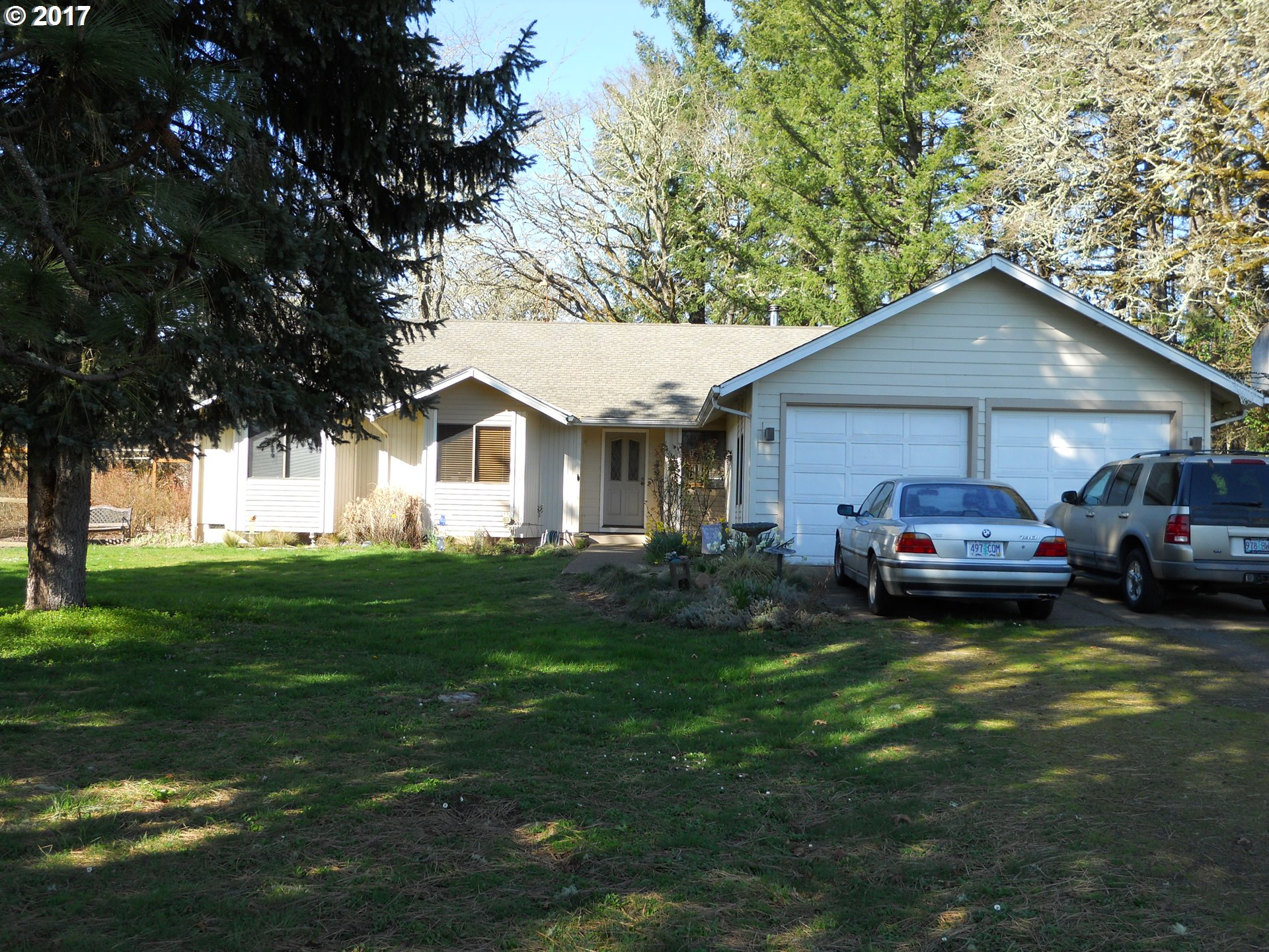 25641 LAWRENCE RD, Junction City, OR 97448