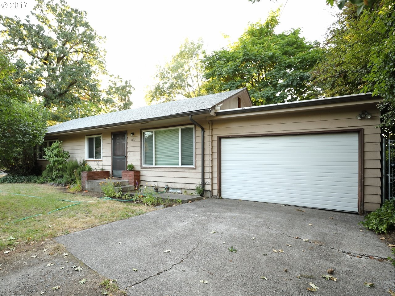 3193 W 14TH AVE, Eugene, OR 97402
