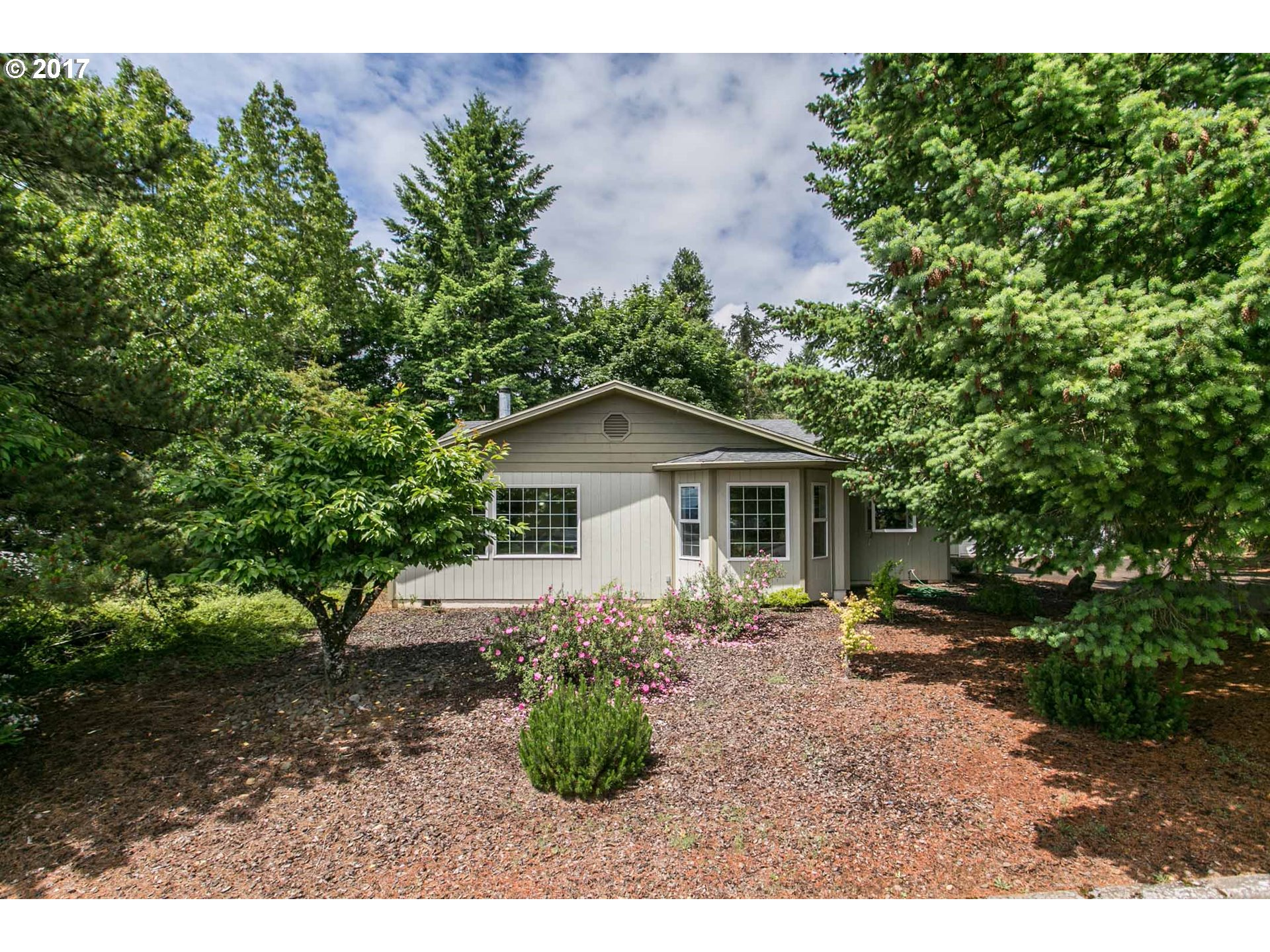 210 NW ALDER ST, Dundee, OR 97115