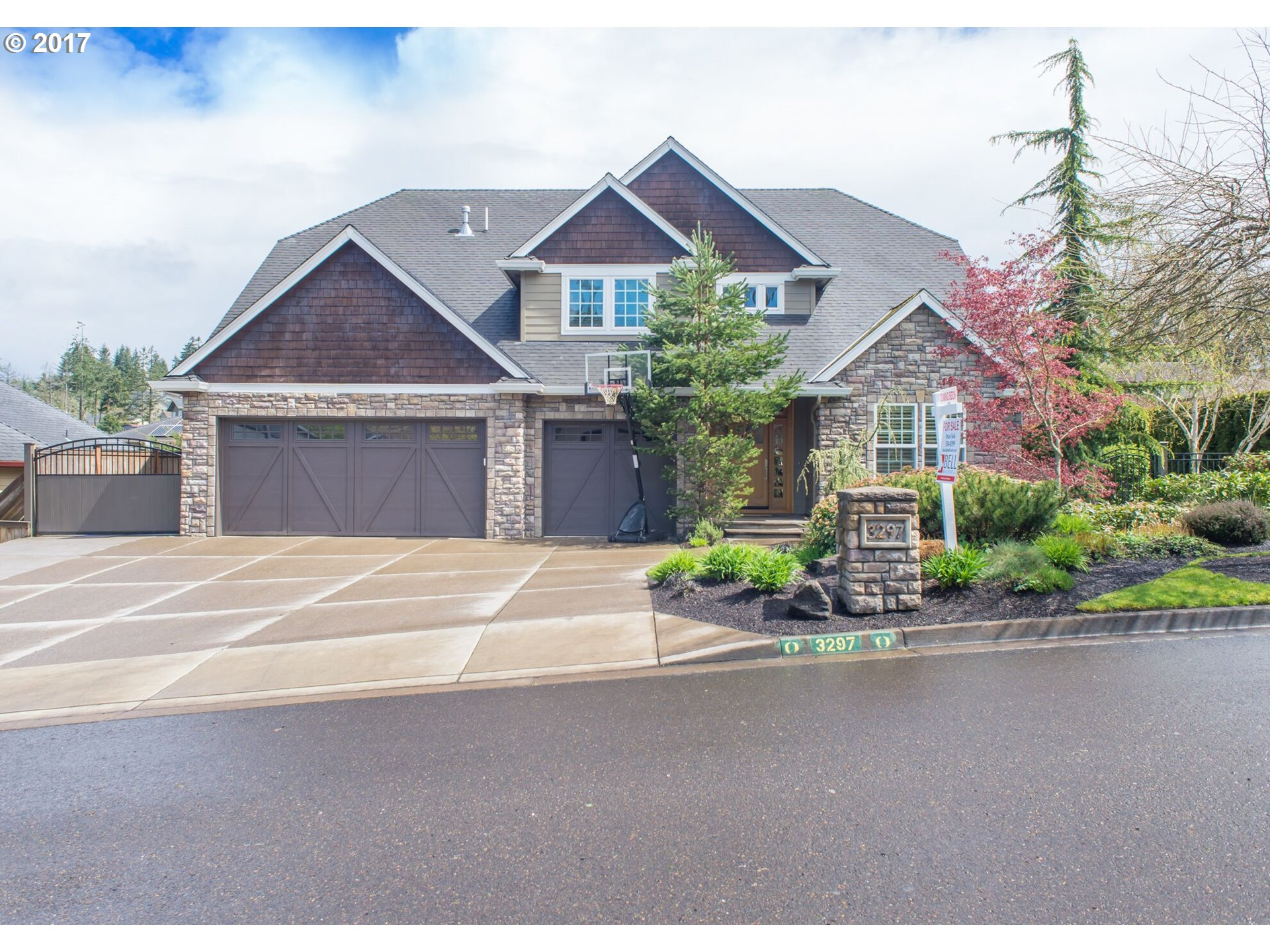 3297 JAYHAWK CT, Eugene, OR 97405