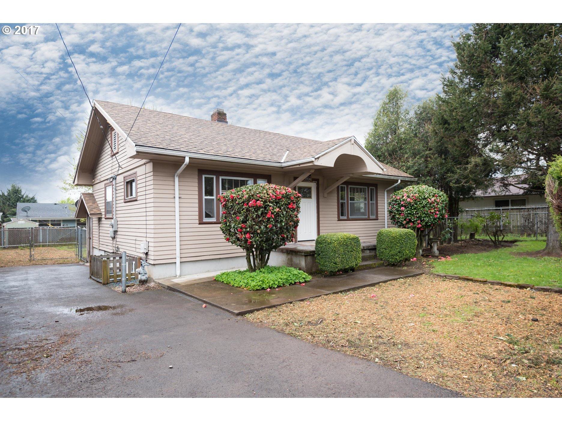 10936 NE GLISAN ST, Portland, OR 97220