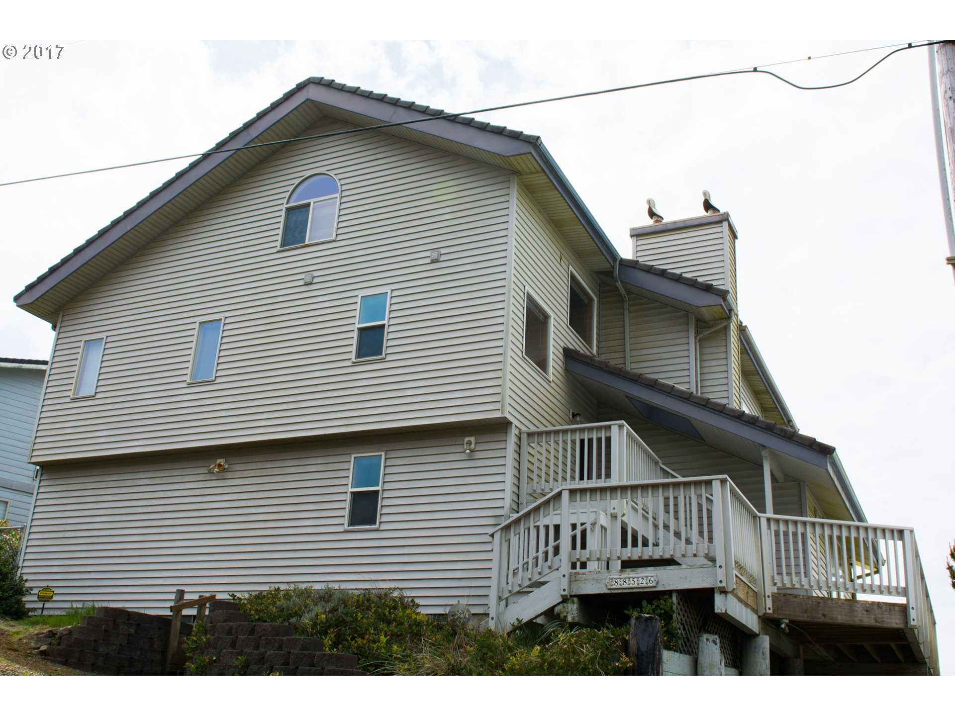 88526 3RD AVE, Florence, OR 97439