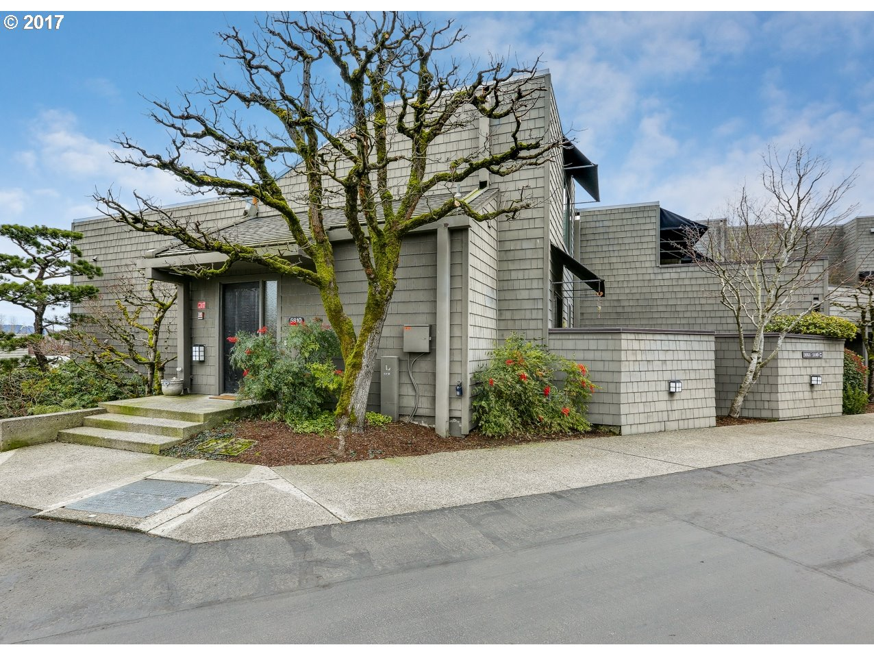 5810 SW RIVERPOINT LN, Portland, OR 97239