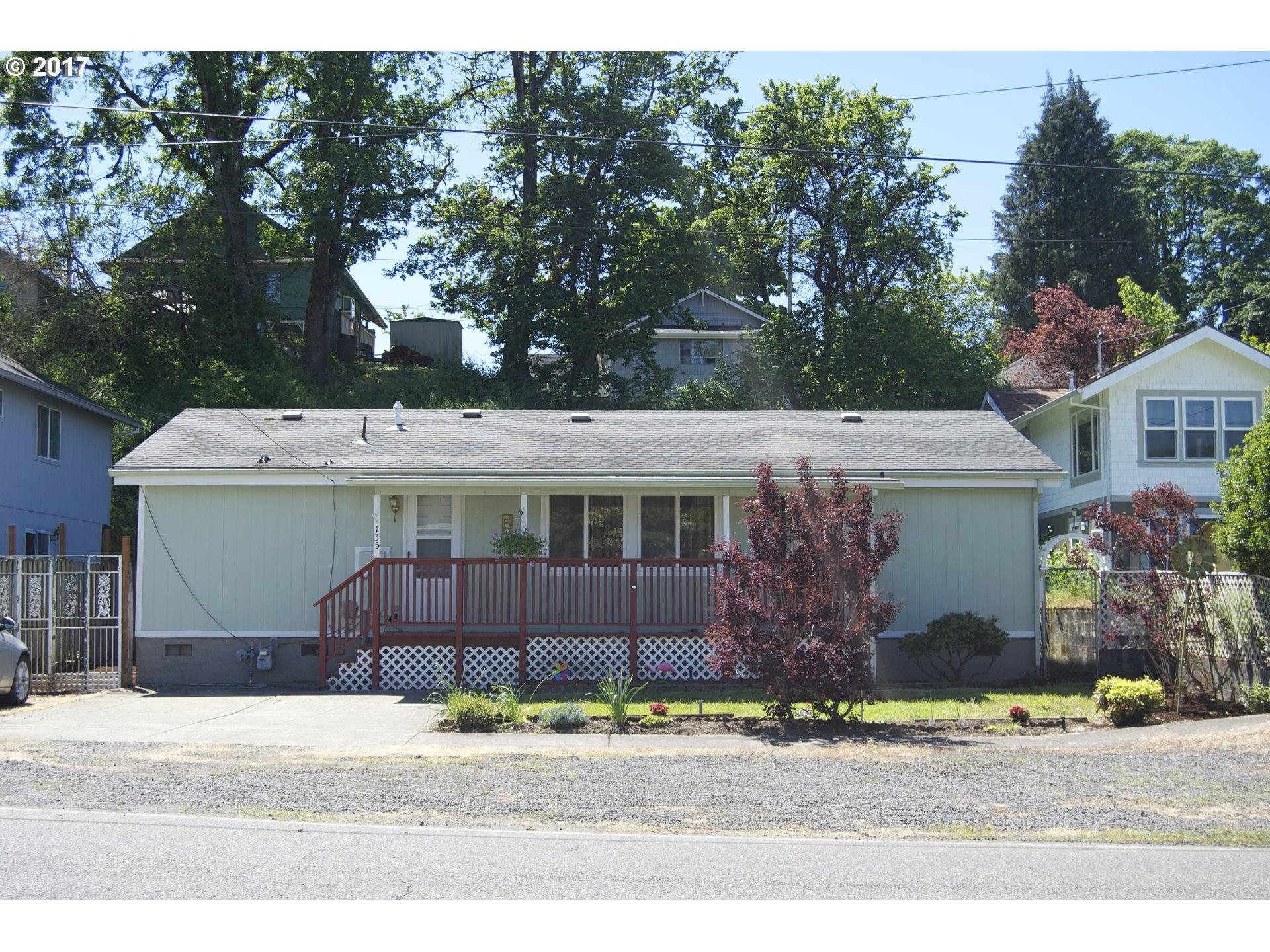 135 7TH ST, St. Helens, OR 97051
