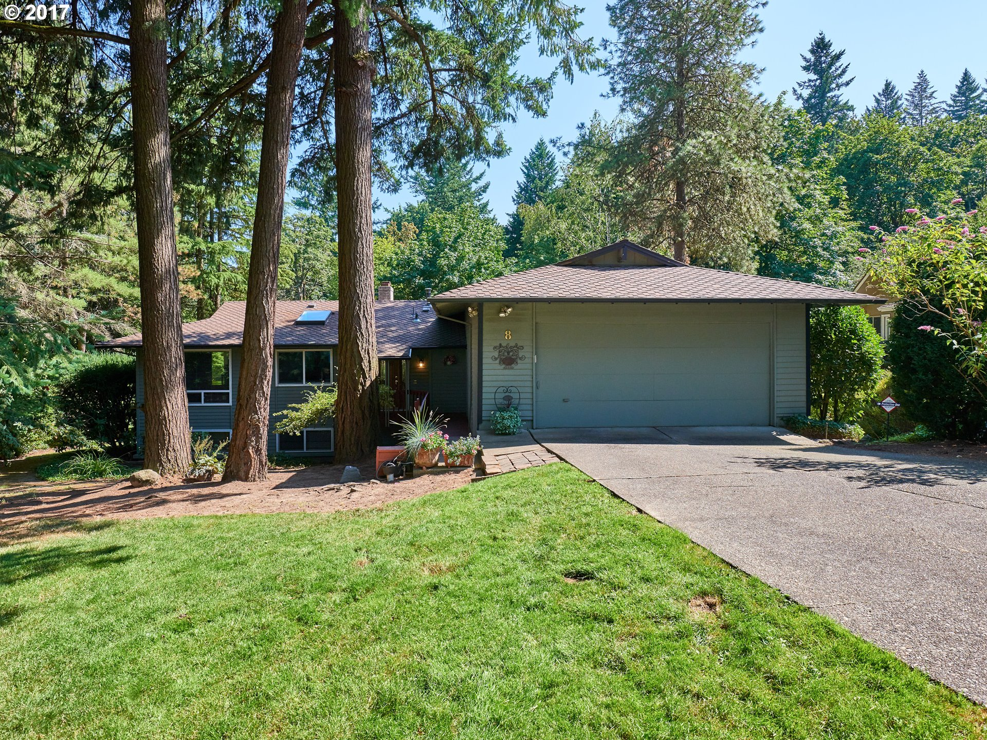 8 PIMLICO TER, Lake Oswego, OR 97035