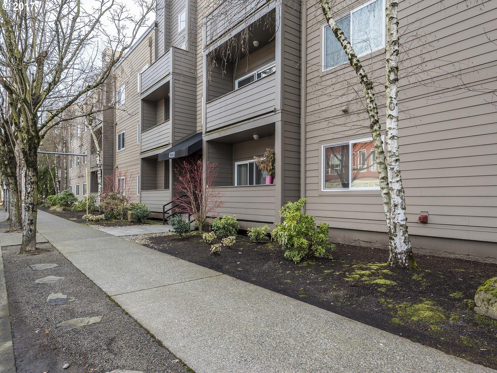 4320 SW CORBETT AVE, Portland, OR 97239