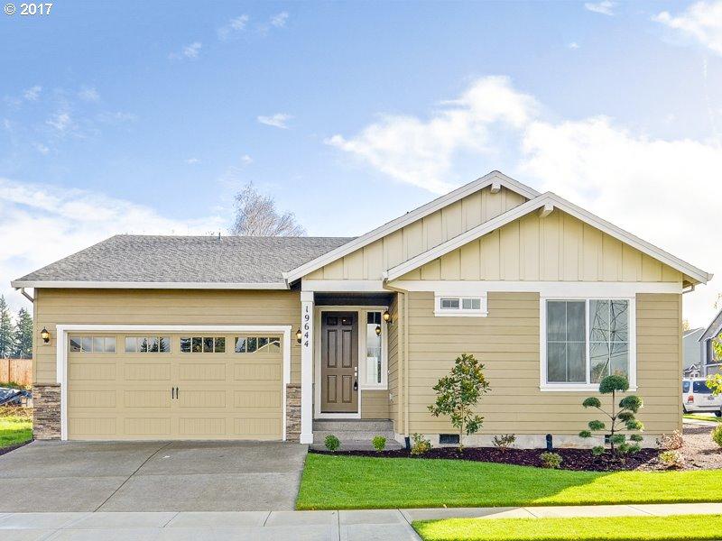 19644 Hydrangea LN, Oregon City OR 97045