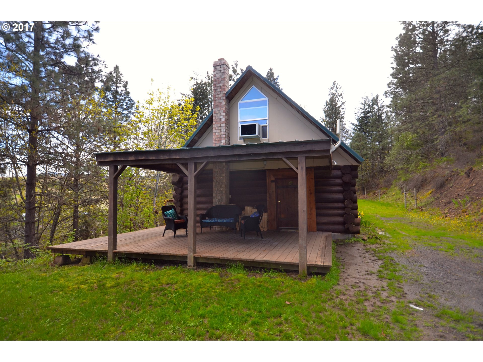 609 HUSKEY RD, Mosier, OR 97040