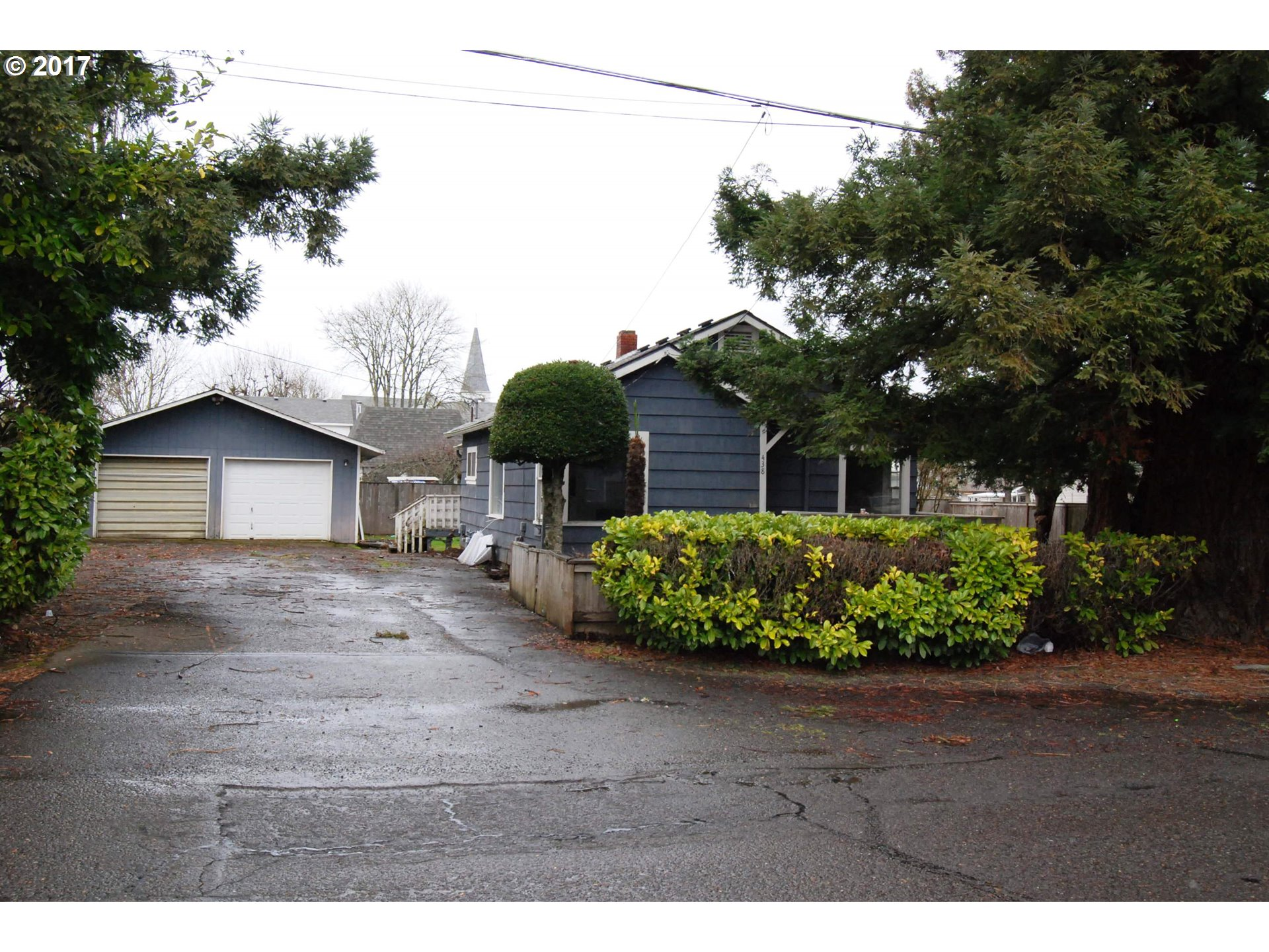 438 D ST, Creswell, OR 97426