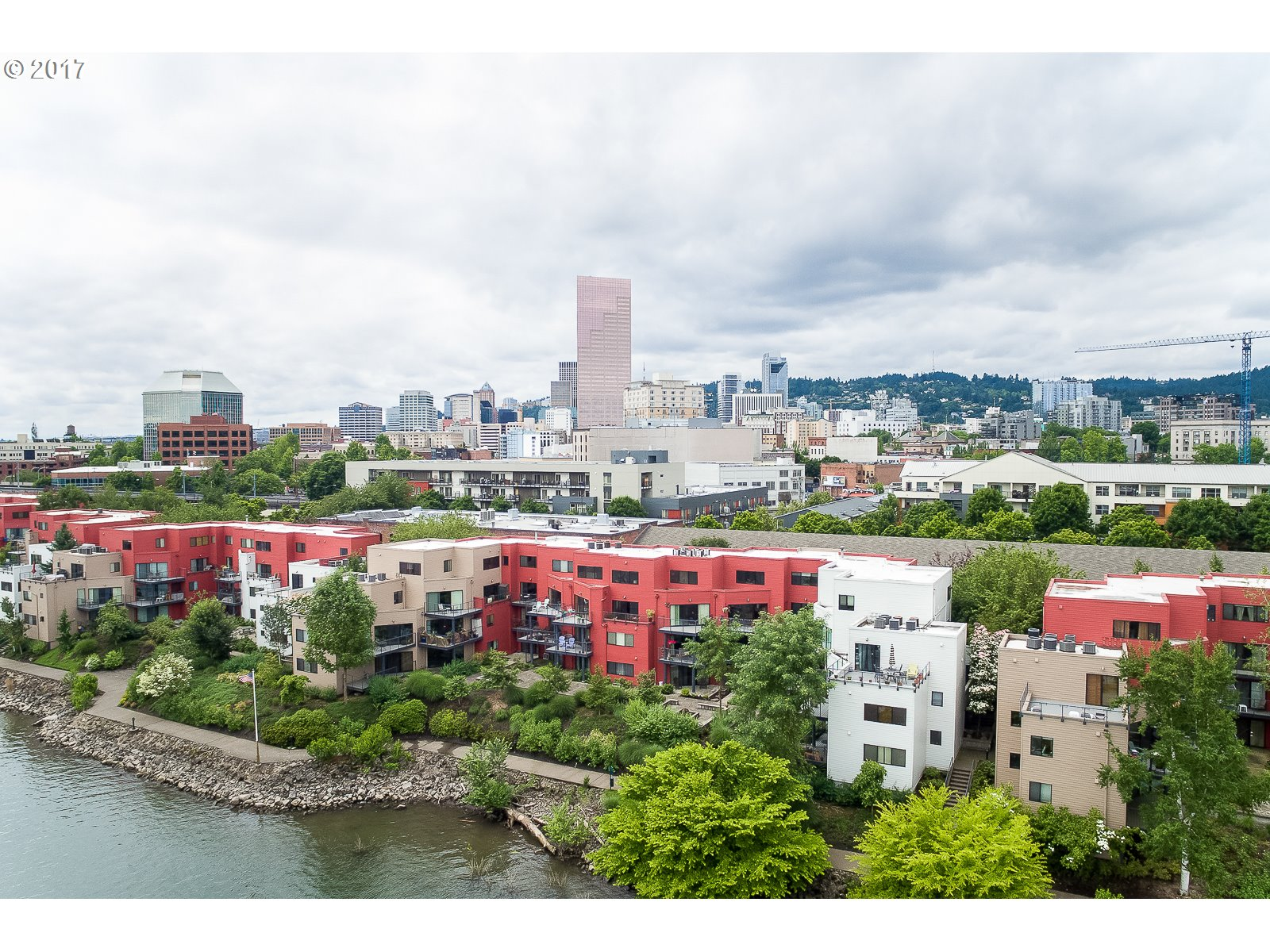 606 NW NAITO PKWY A19, Portland, OR 97209