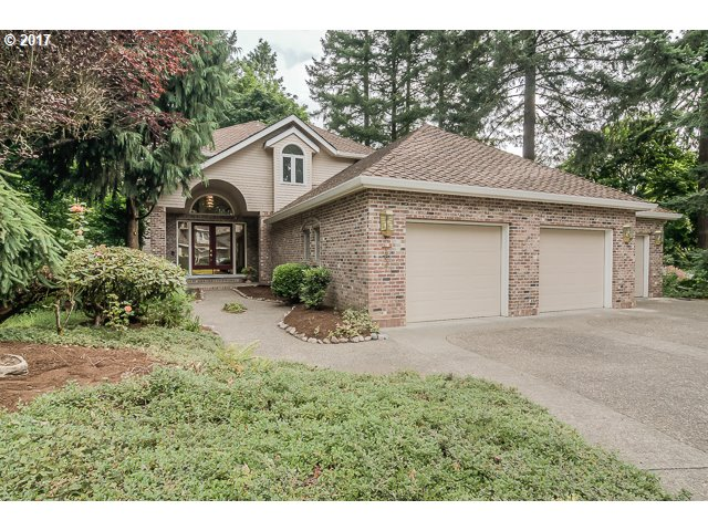 1627 VILLAGE PARK LN, Lake Oswego, OR 97034