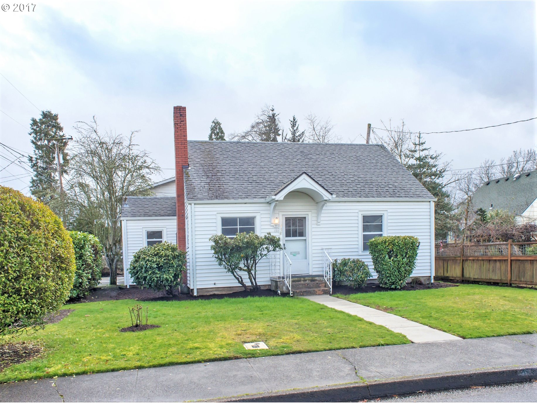 458 W 15TH AVE, Eugene, OR 97401