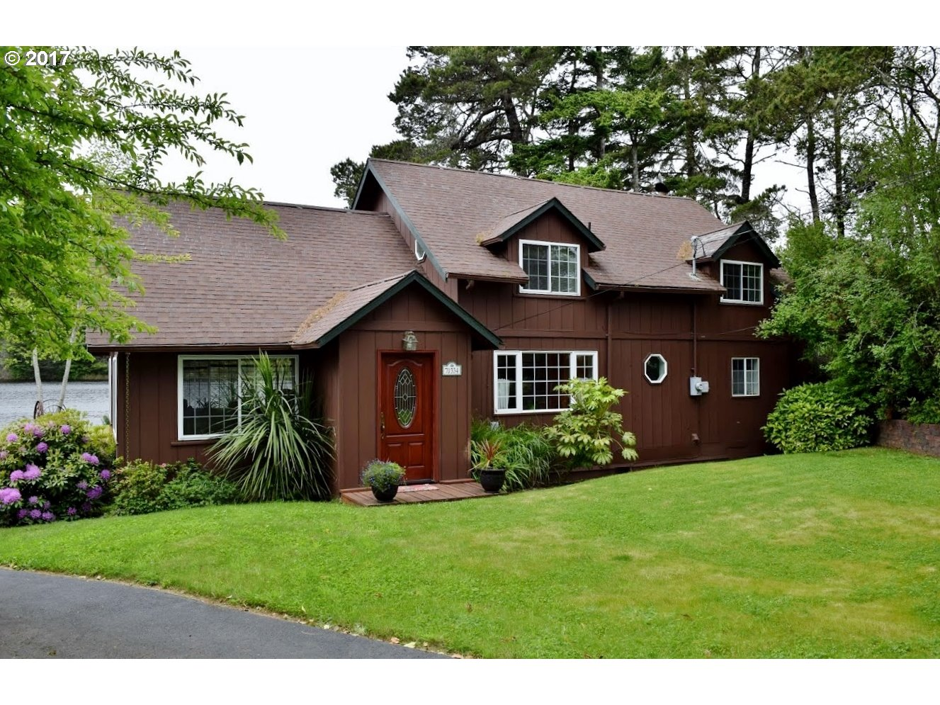 70334 PENINSULA RD, North Bend, OR 97459