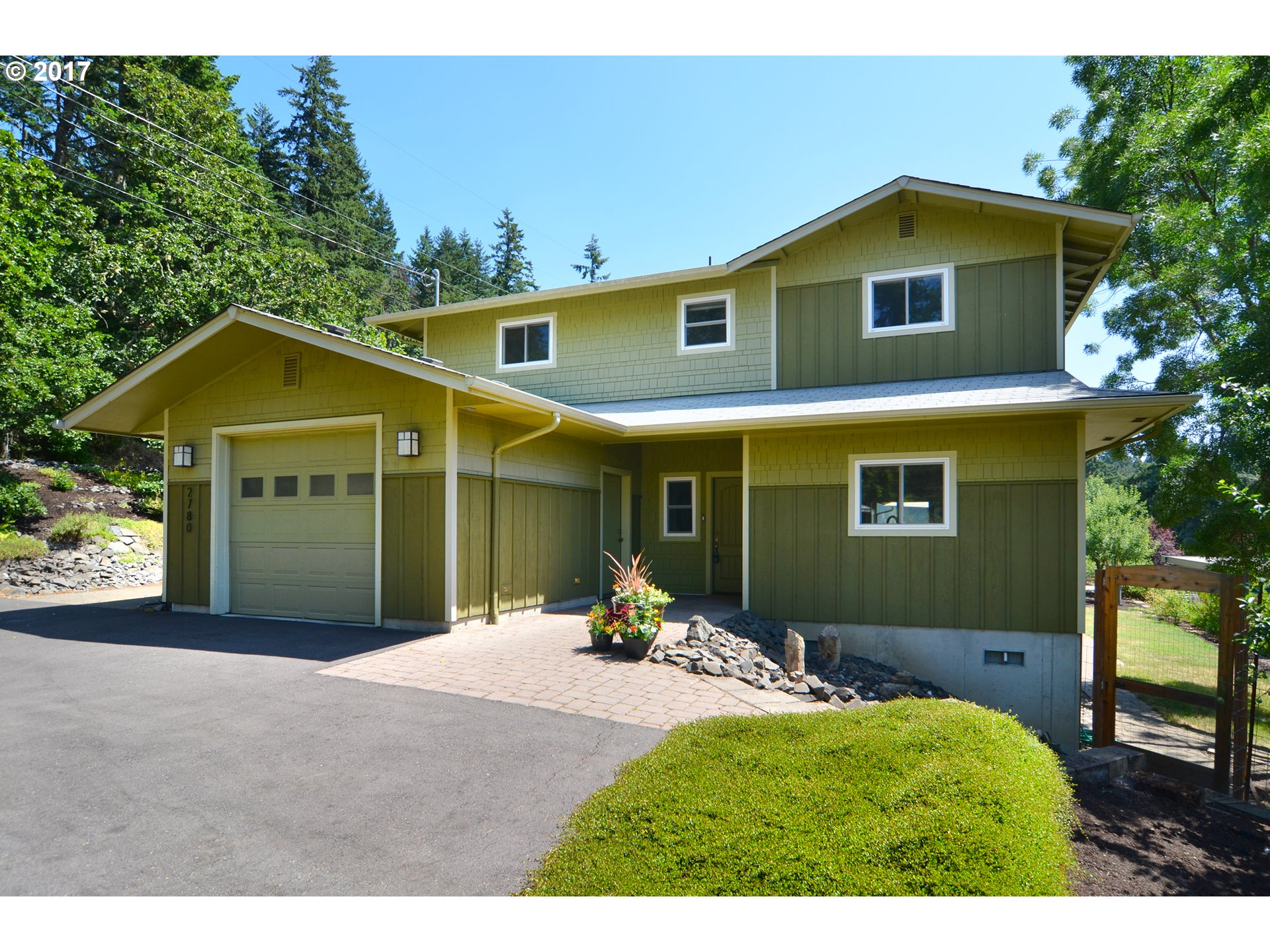 2780 SPRING BLVD, Eugene, OR 97403