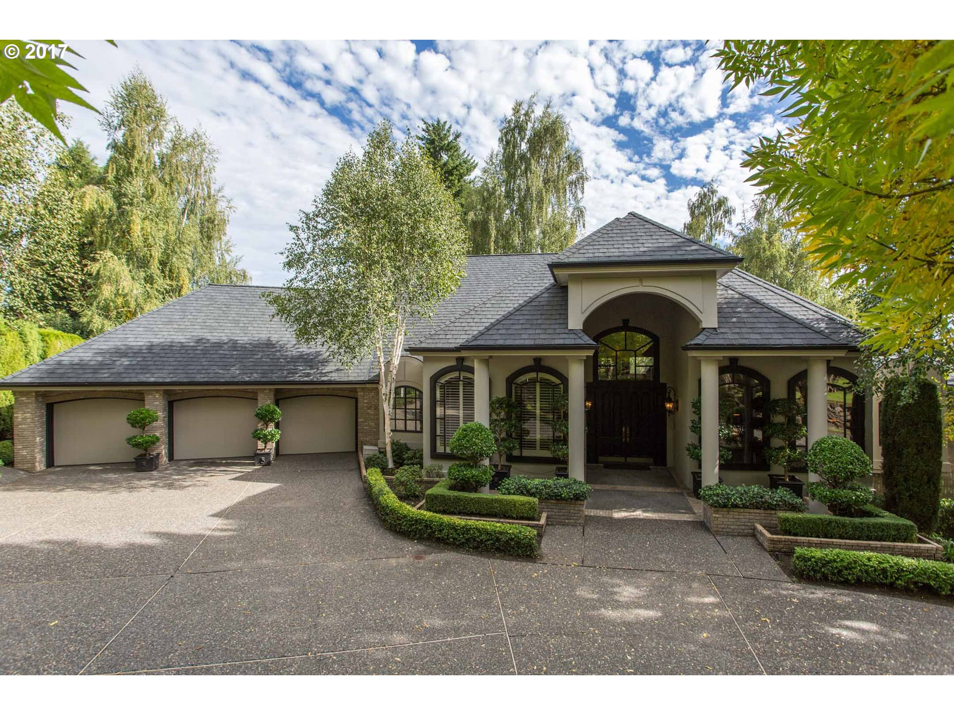 3832 WELLINGTON CT, West Linn, OR 97068