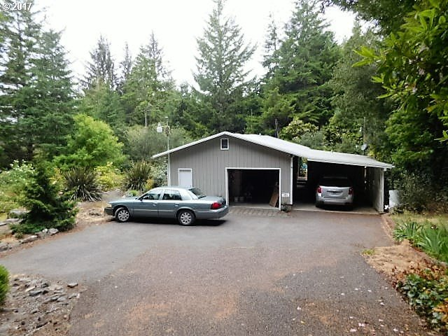 62451 CROWN POINT RD, Coos Bay, OR 97420