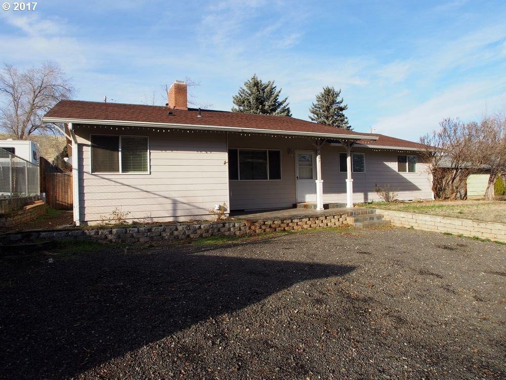 4407 CHENOWITH RD, THE DALLES, OR 97058