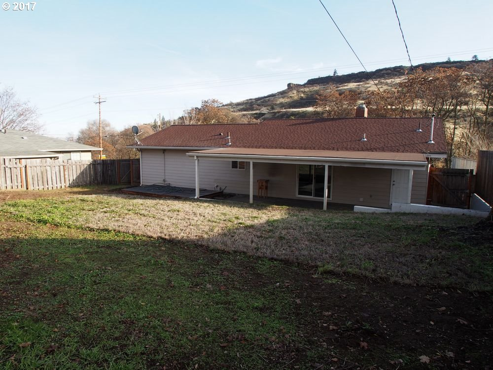 4407 CHENOWITH RD, THE DALLES, OR 97058  Photo 17
