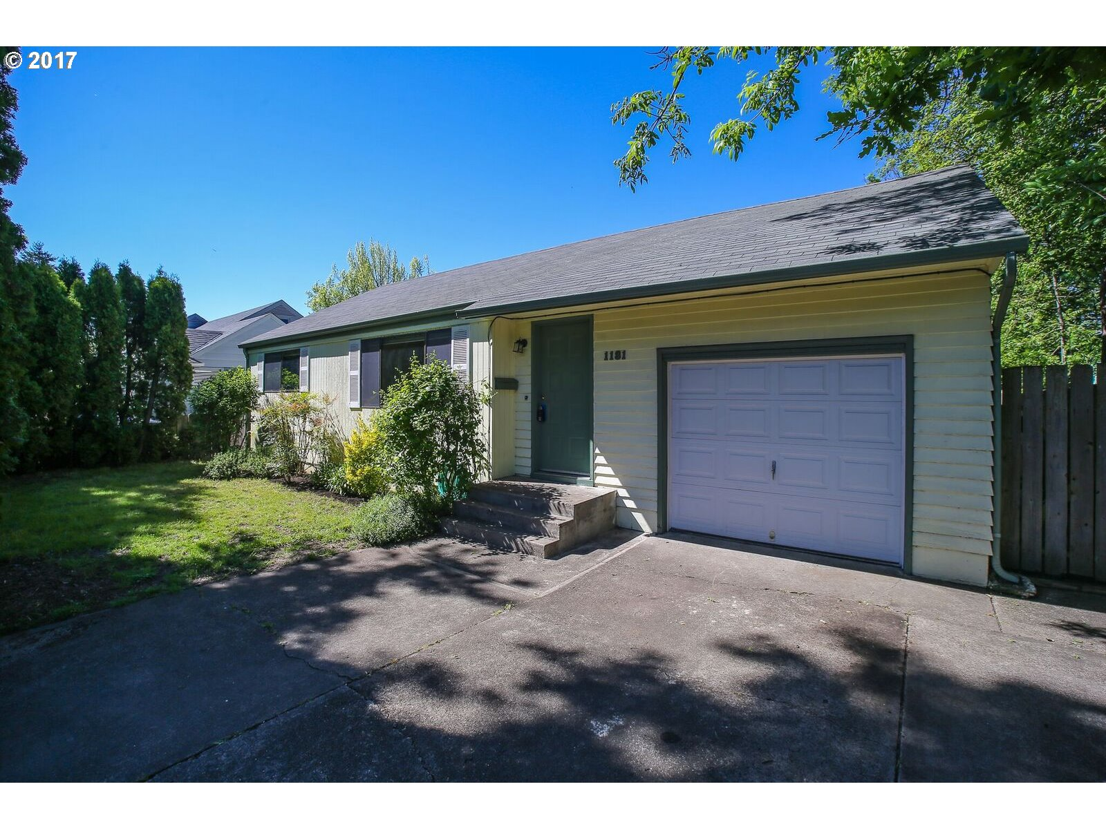 1181 W 13TH AVE, Eugene, OR 97402