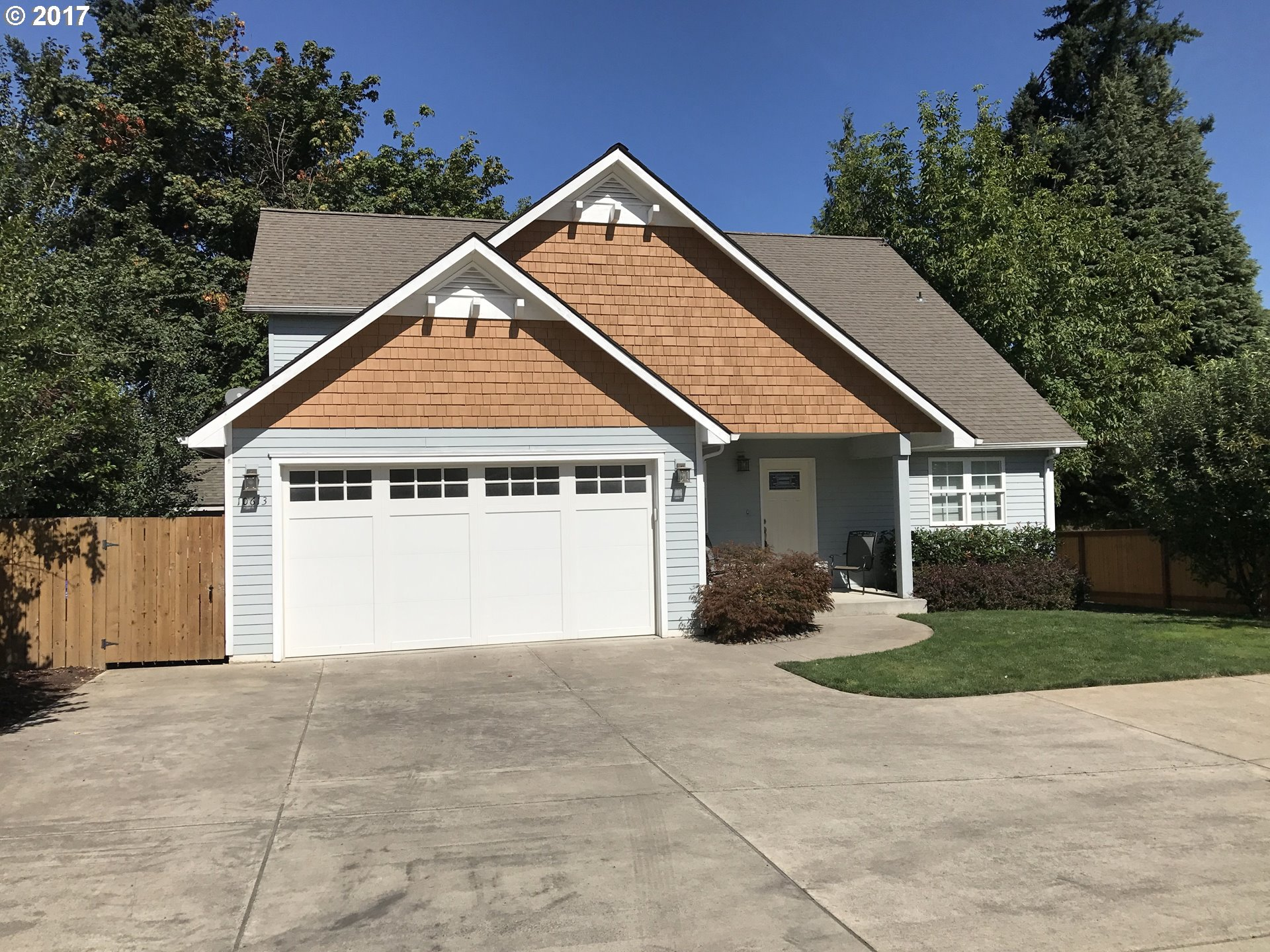 Builders own 2466sf home. Minutes to freeway/airport-Private setting. Complete living on main: Master & bath, walk in closet, high end kitchen cabinets, granite counter, walk in pantry, office/bdrm, 2 .5 bath, storage, vaulted ceiling. Upper: Bonus room, 2 Bdrms & bath. Upgrades: tankless water heater, A/C, plumbed-central vac, extra garage/shop, RV parking, fenced bkyd & more, Beautiful-come see!