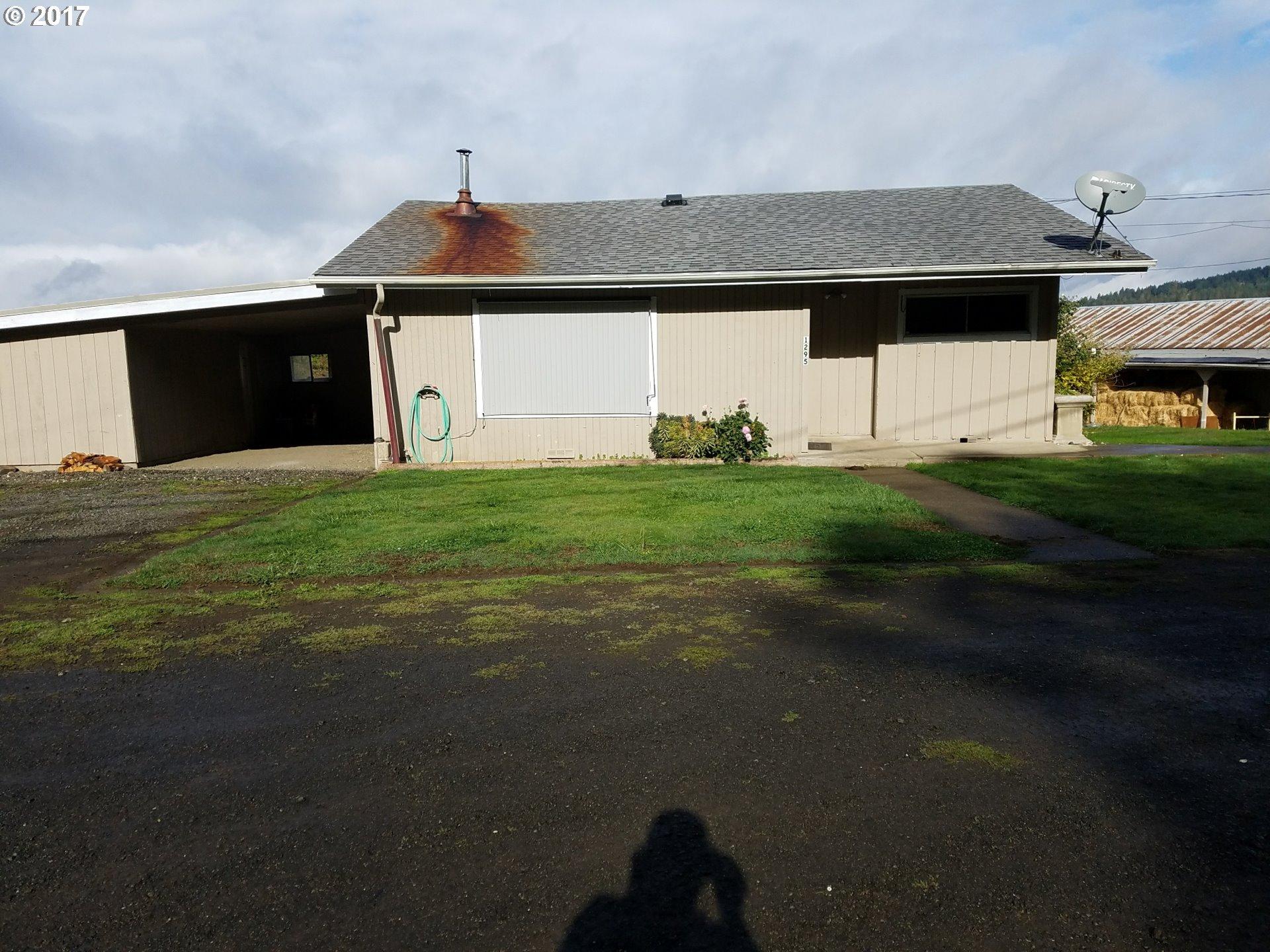 Roseburg, OR  Bedroom Home For Sale