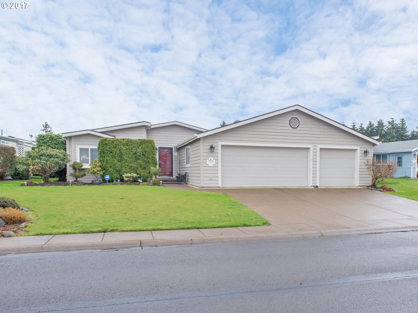 111 ANDREW DR, Cottage Grove, OR 97424