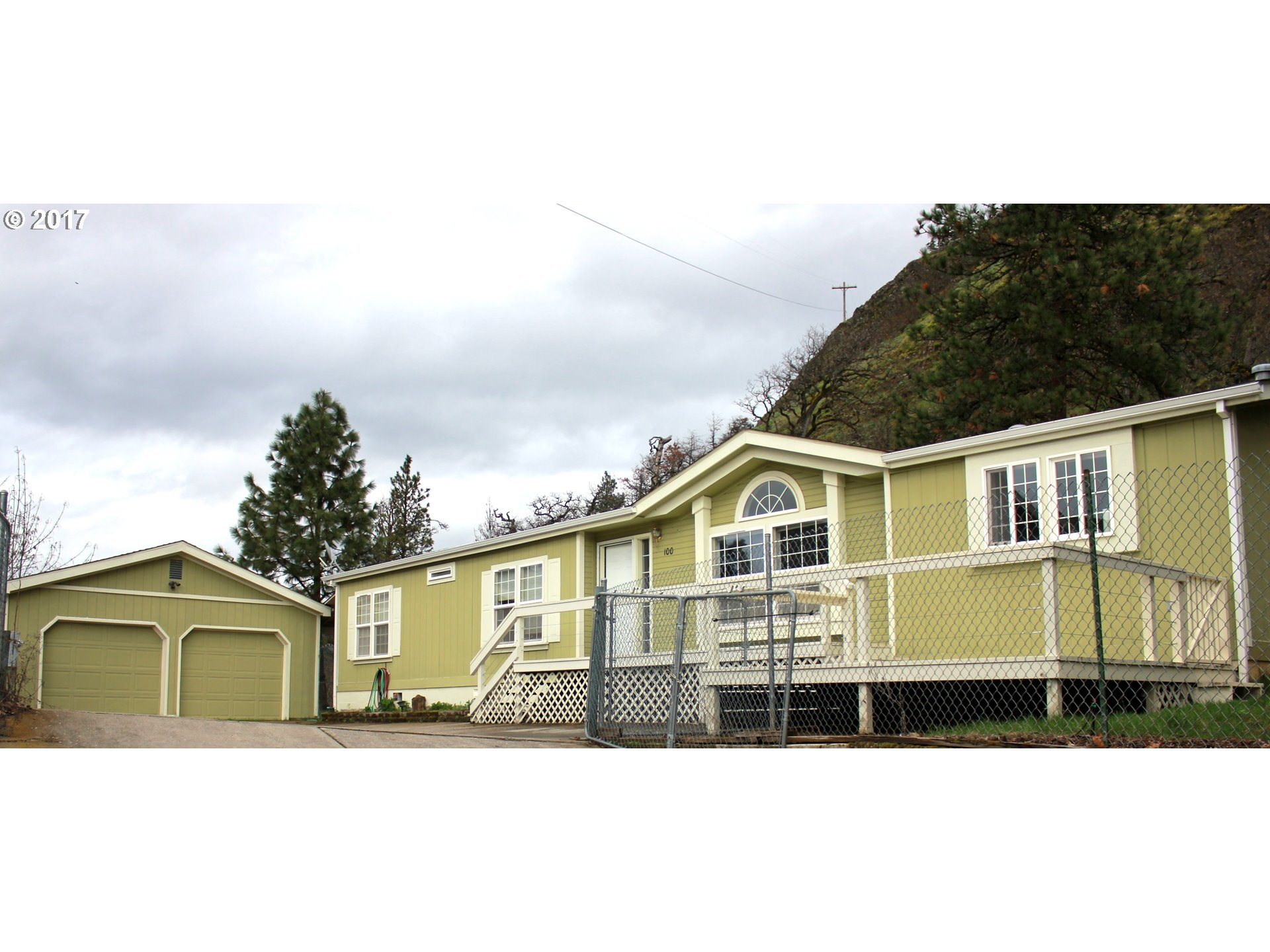 100 CHERRY HILL DR, Mosier, OR 97040
