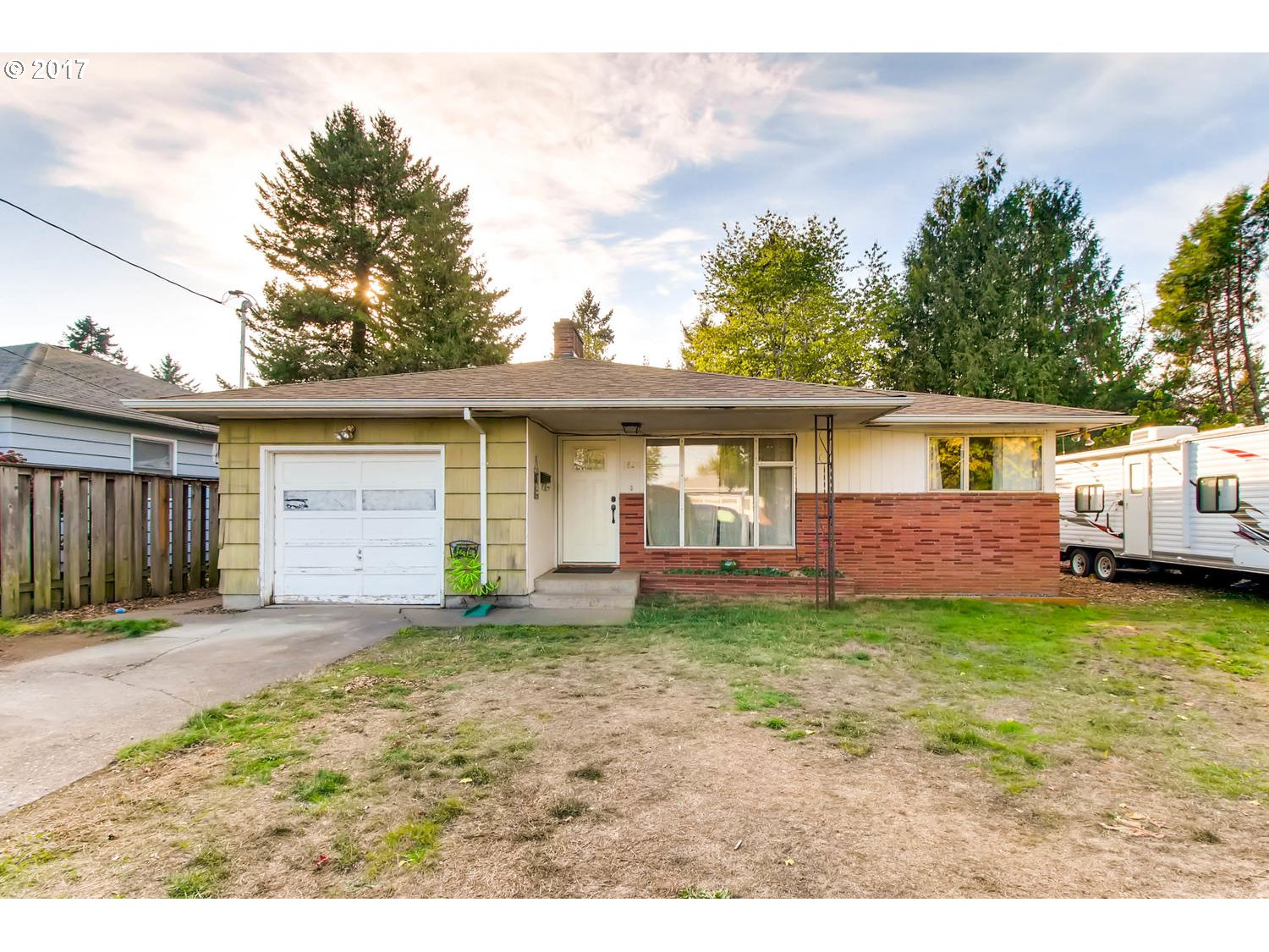 2022 sq. ft 3 bedrooms 2 bathrooms  House For Sale, Portland, OR