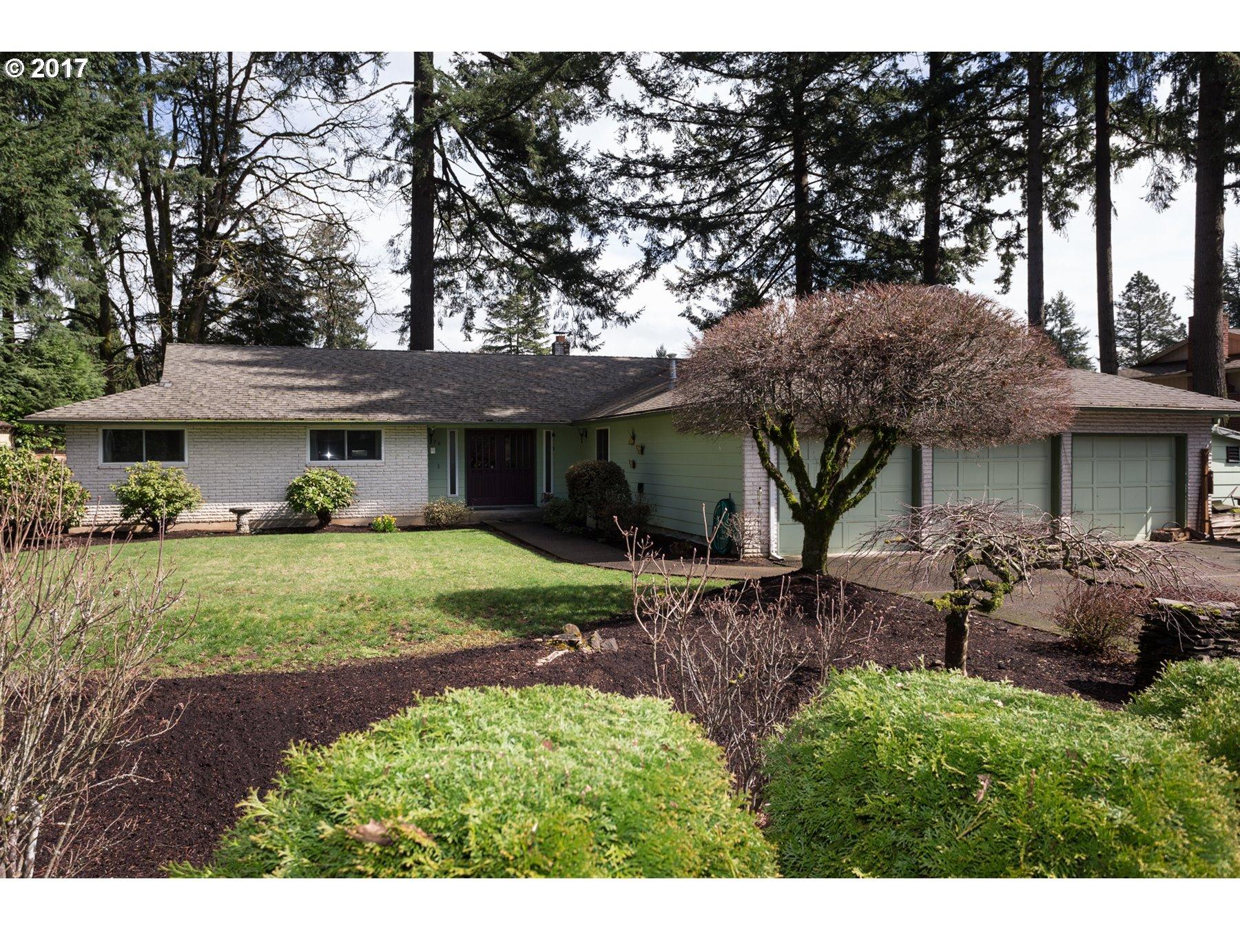 326 CHERRY AVE, Oregon City, OR 97045