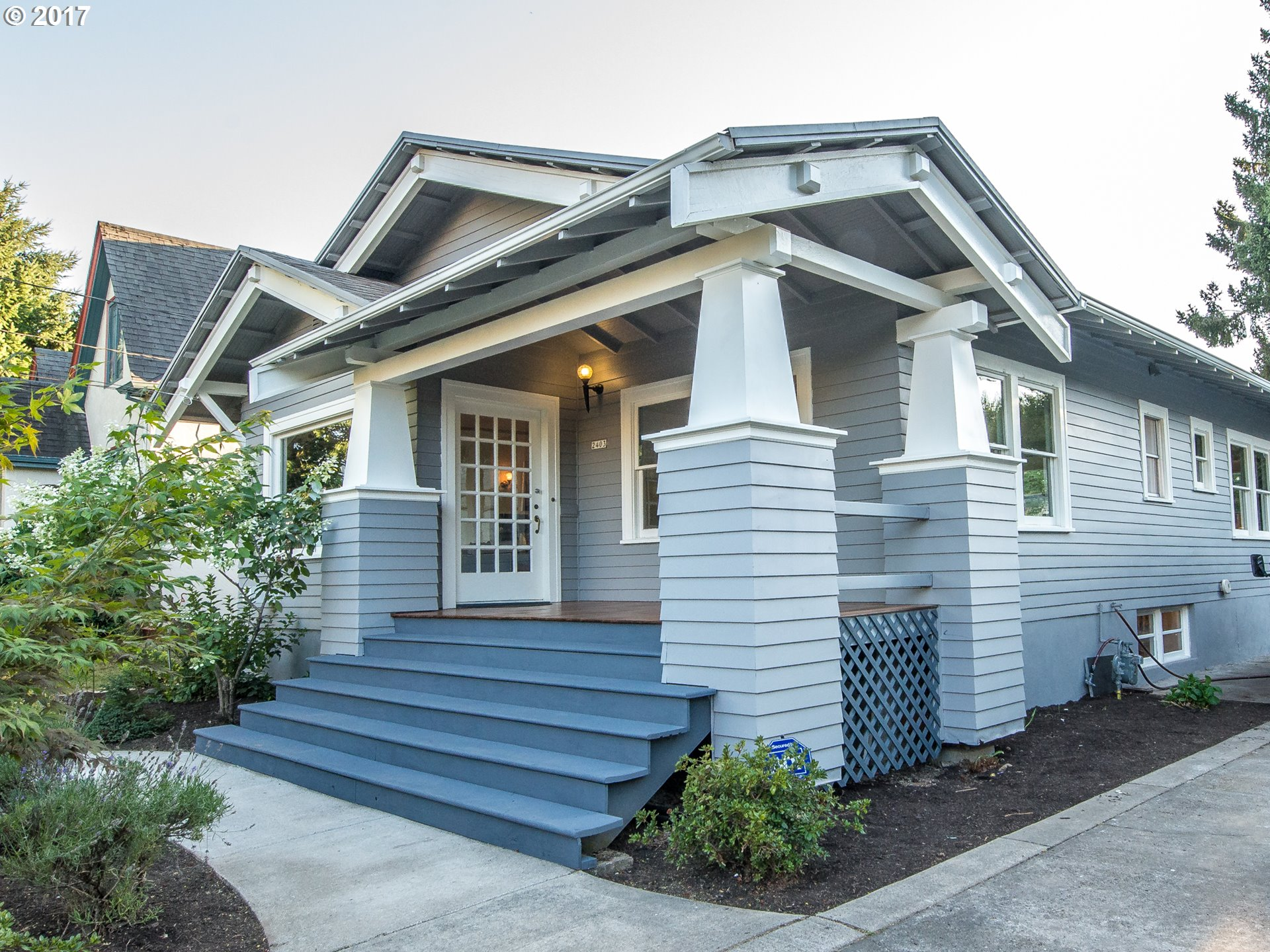 2452 sq. ft 2 bedrooms 1 bathrooms  House For Sale, Portland, OR