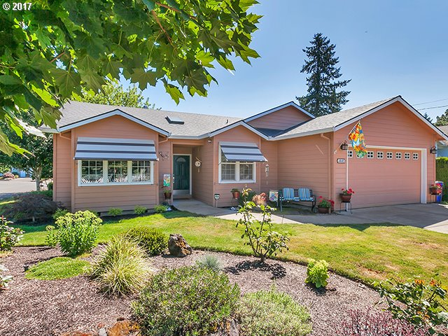 1445 BEVERLY DR, Gladstone, OR 97027