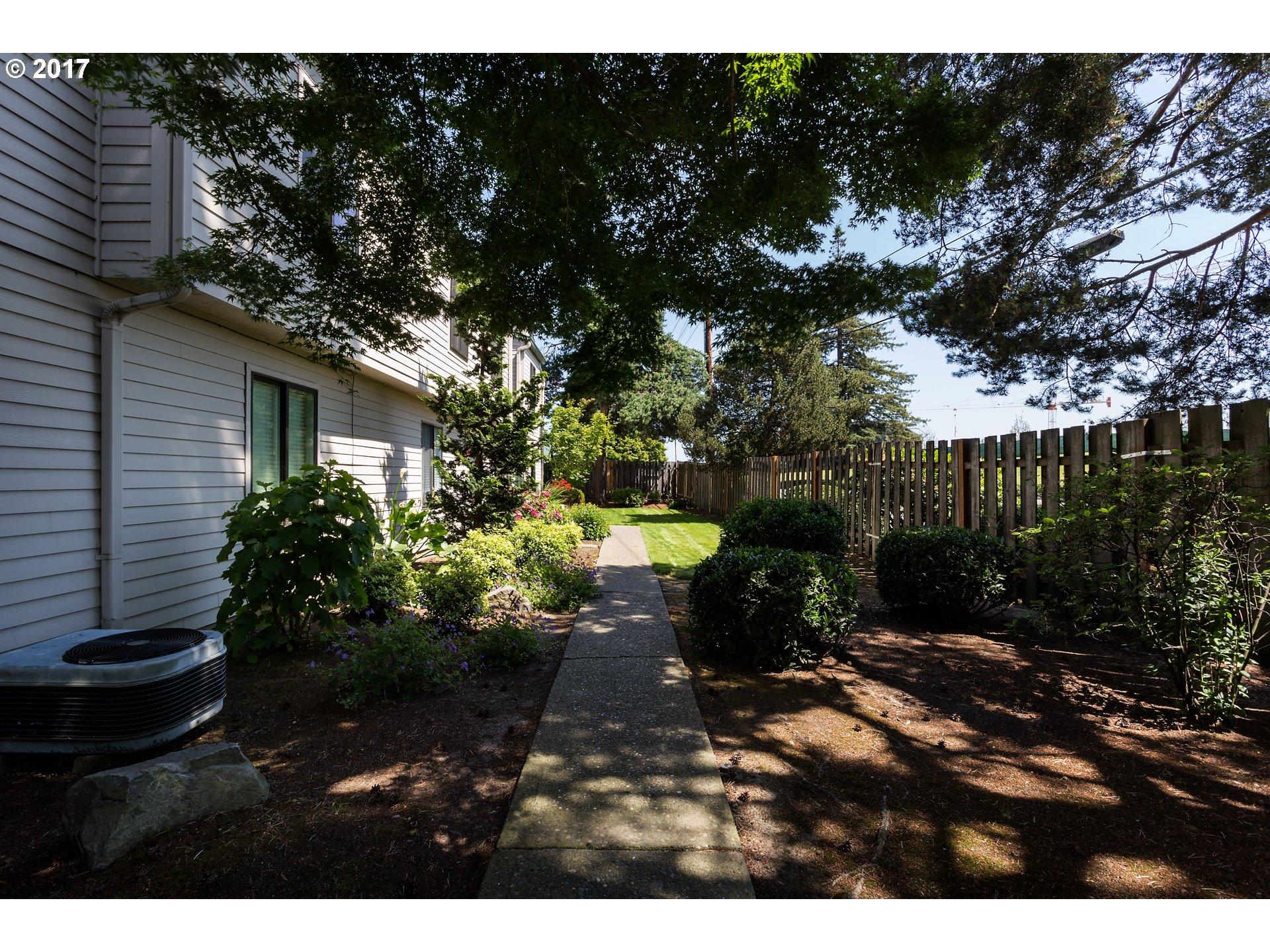 14575 SW WALKER RD A2, Beaverton, OR 97006