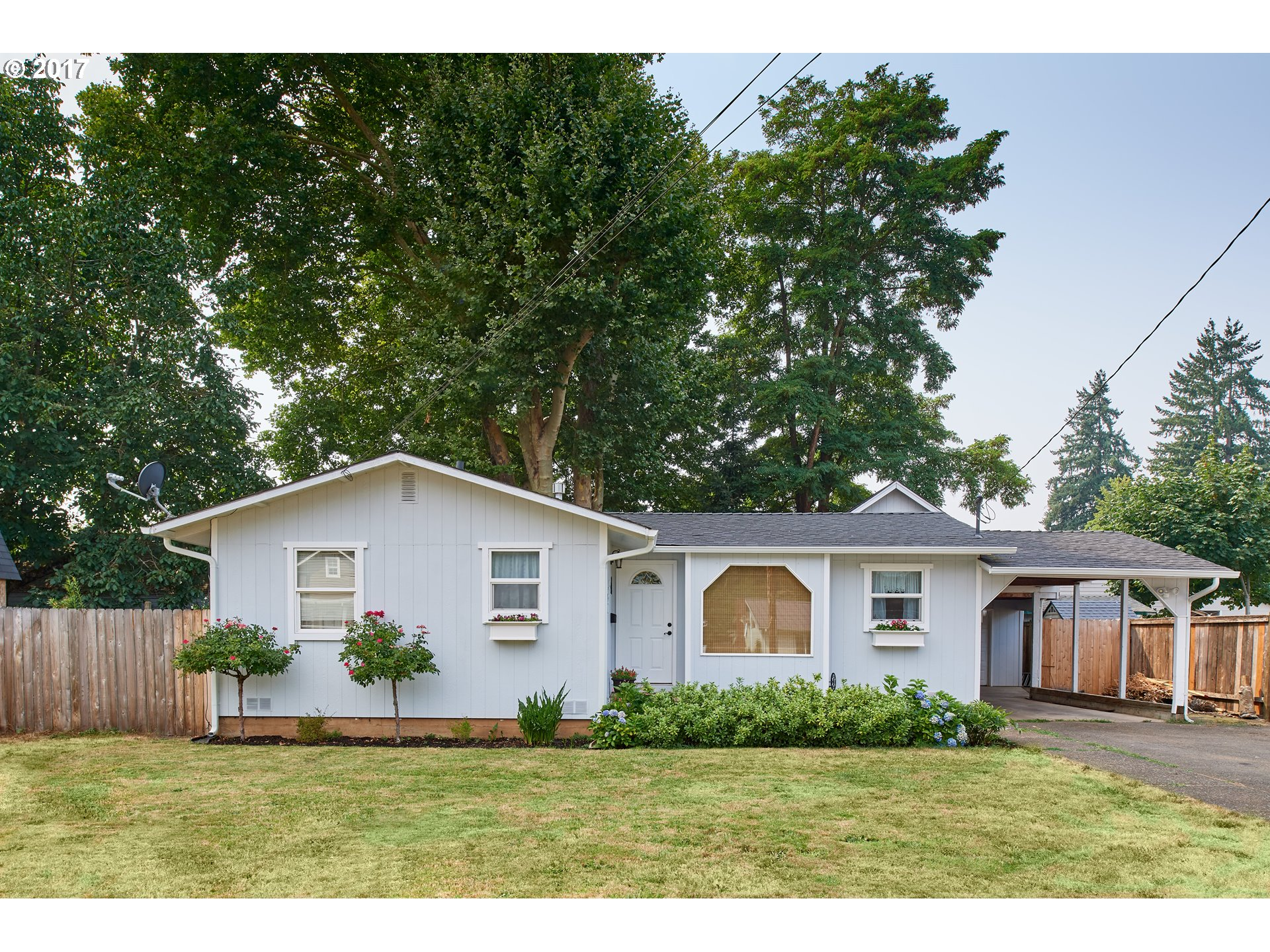 1215 S 7TH ST, Cottage Grove, OR 97424
