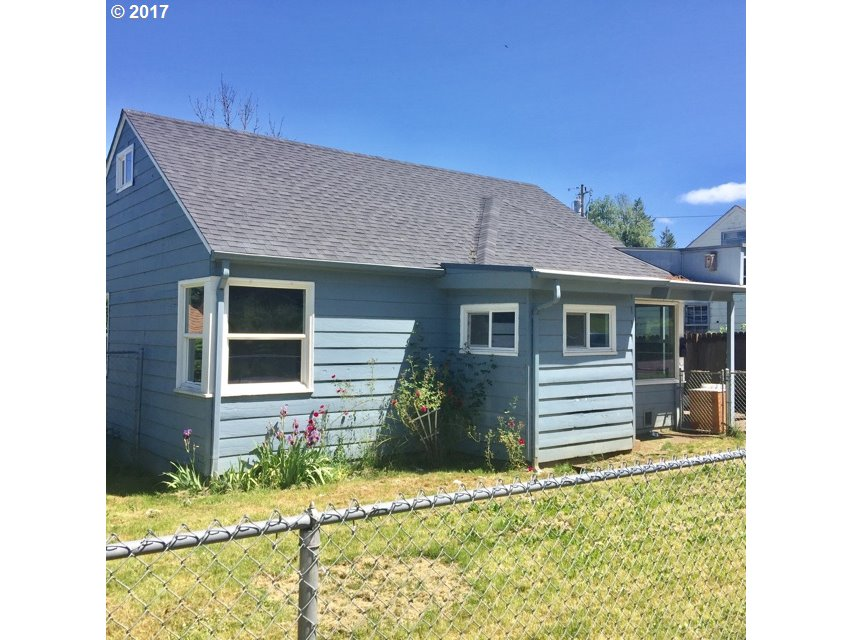 1136 E TAYLOR AVE, Cottage Grove, OR 97424