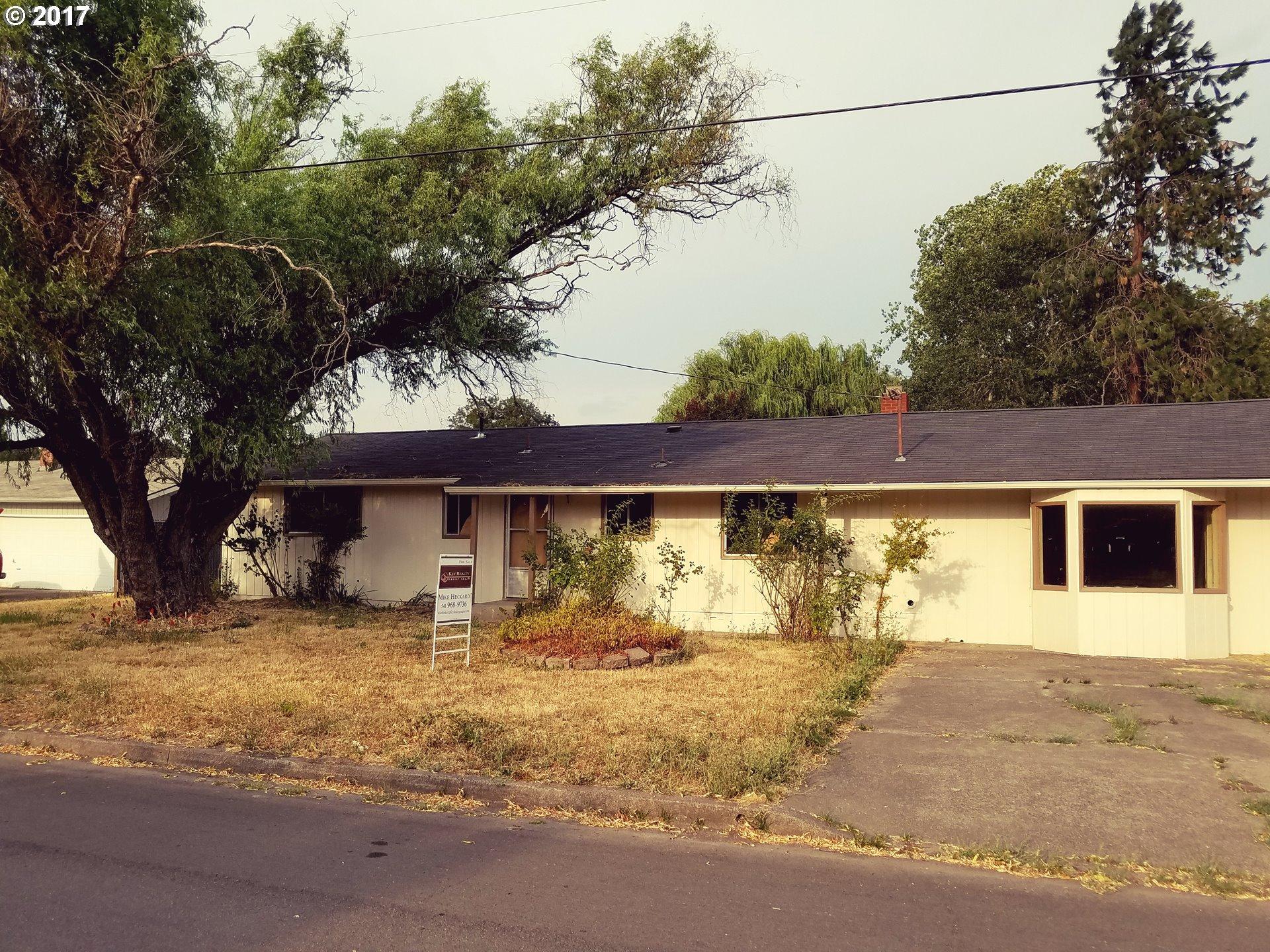 4147 HERMOSA WAY, Roseburg, OR 97471