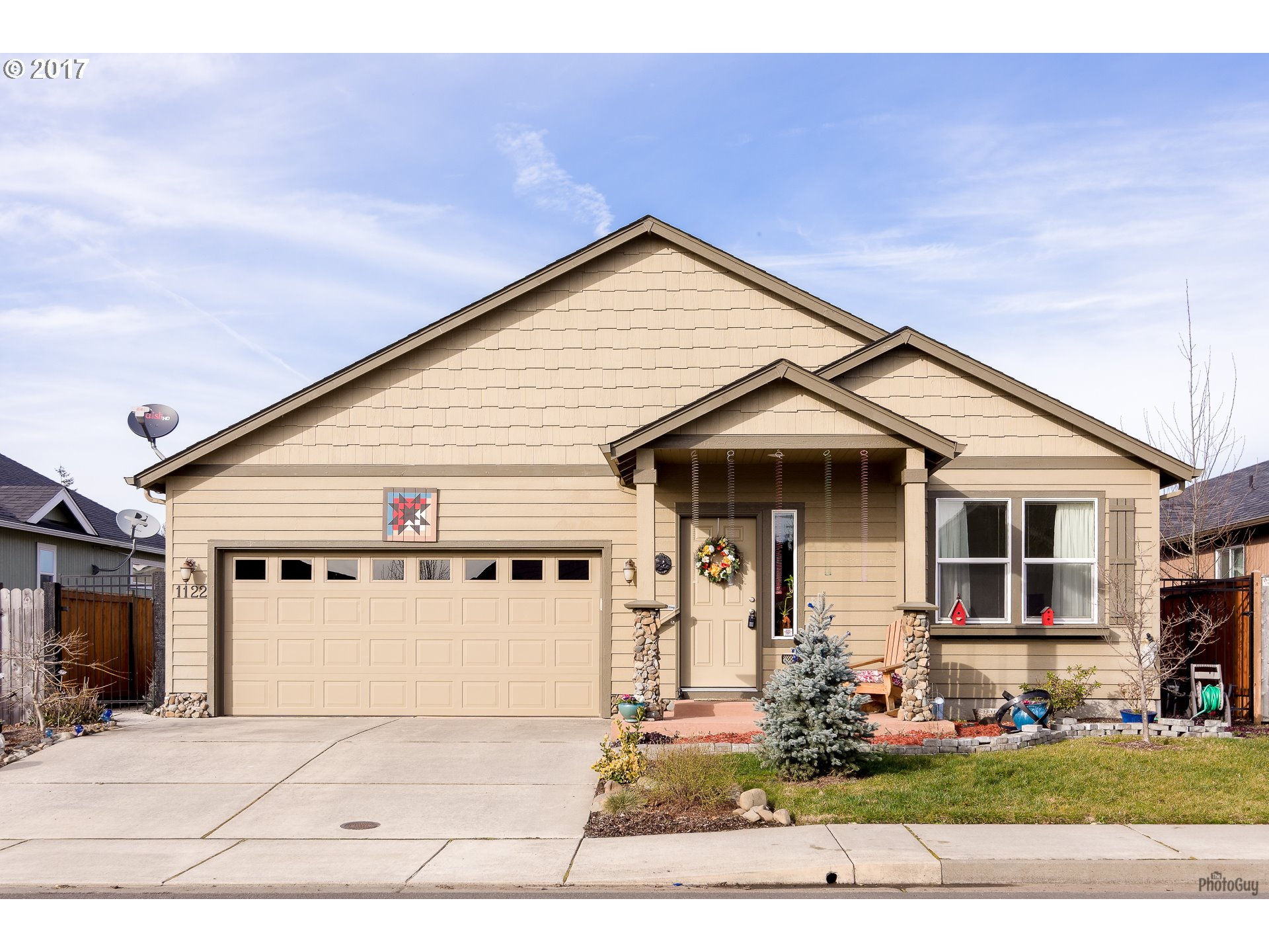 1122 S 2ND ST, Cottage Grove, OR 97424